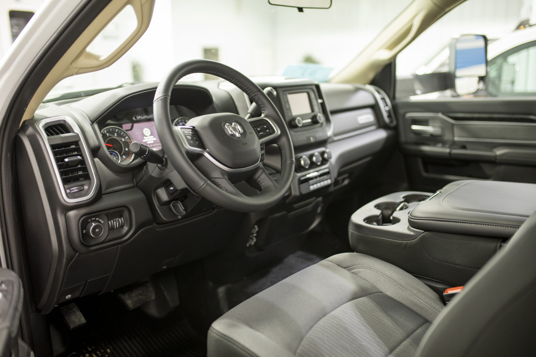 2019 Ram 4500 4x4 Heavy Duty Ambulance For Sale – Picture 2