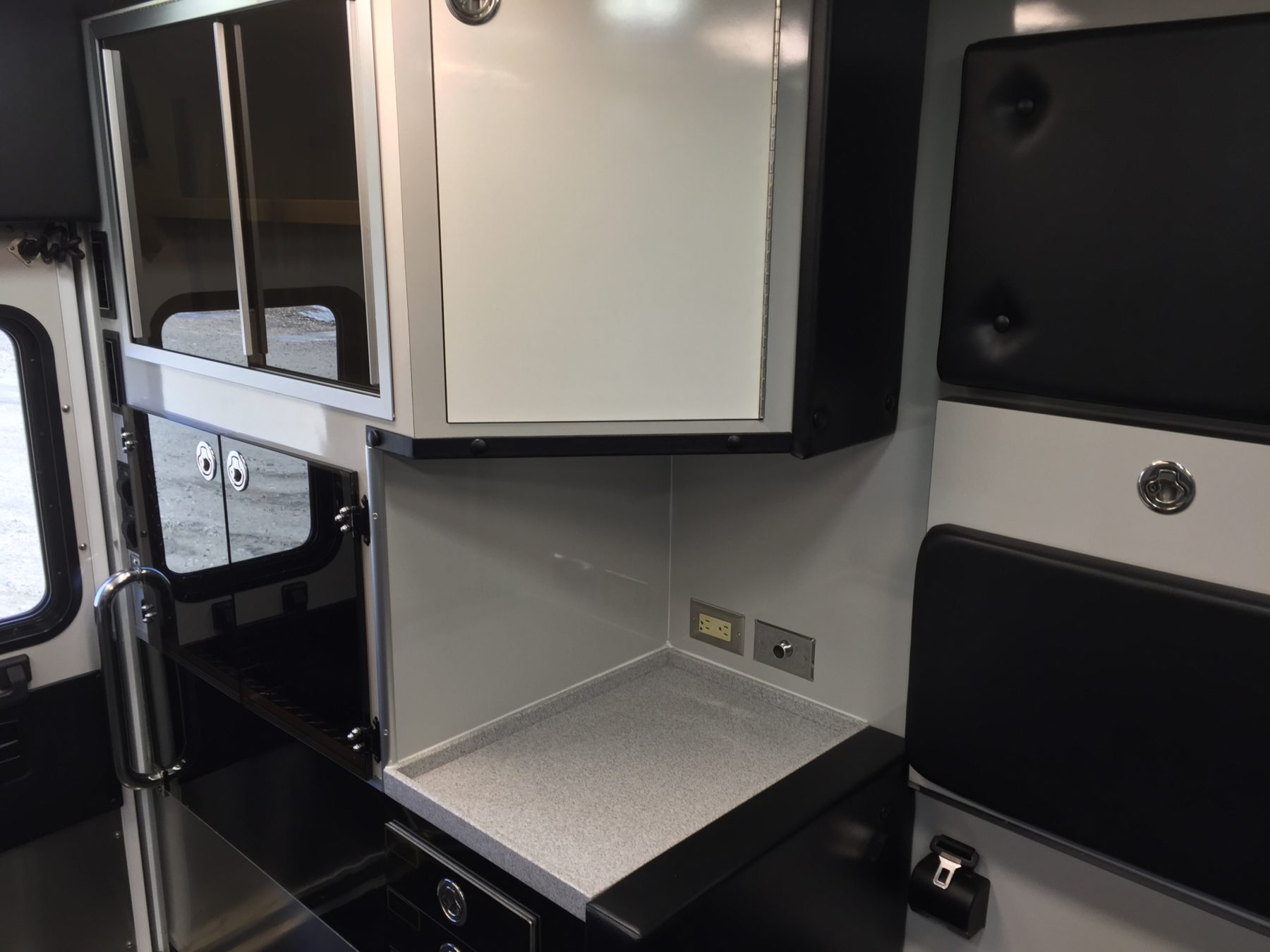 2017 Ram 4500 4x4 Heavy Duty Ambulance For Sale – Picture 18