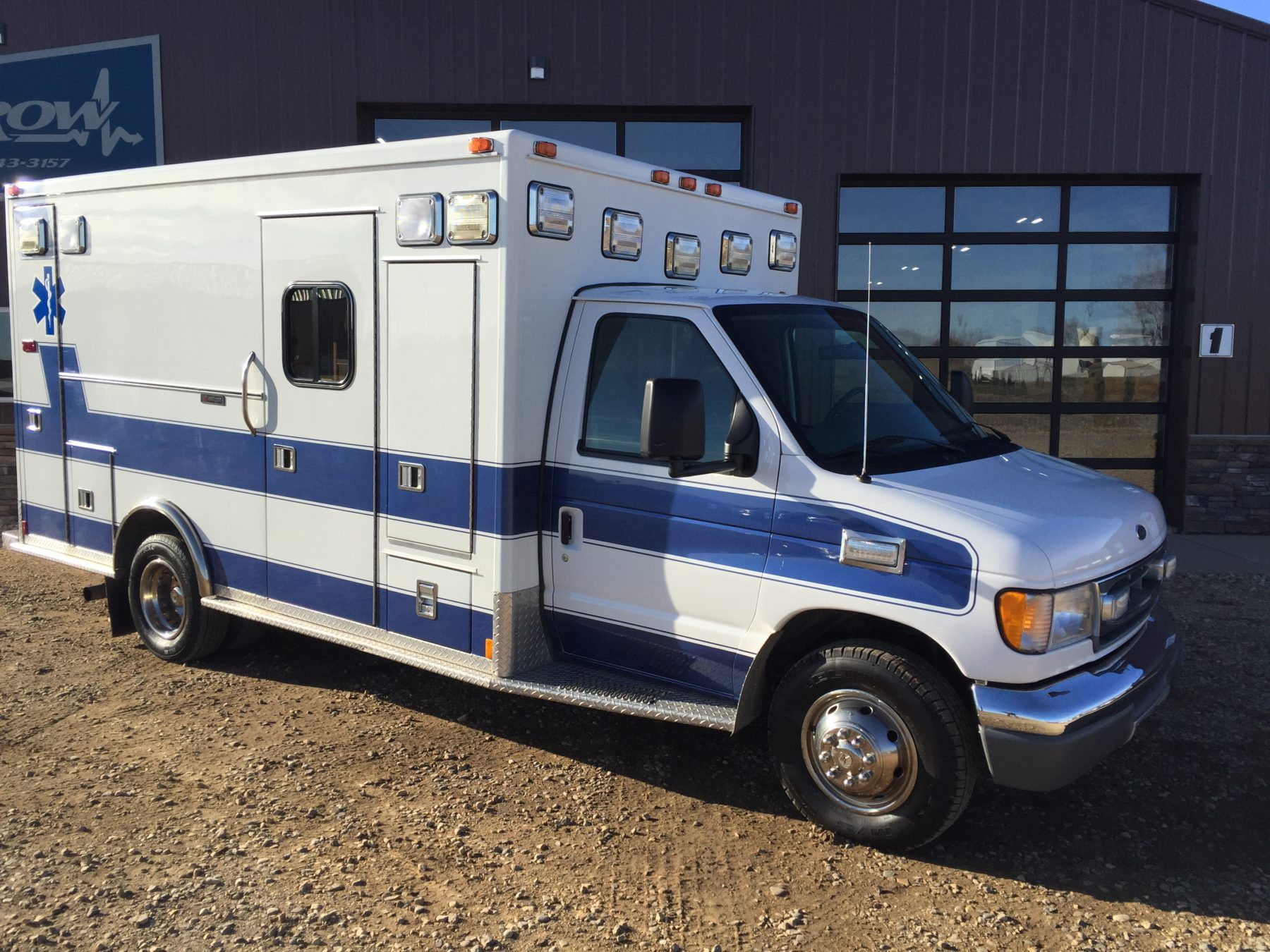 2000 Ford E450 Type 3 Ambulance For Sale – Picture 3