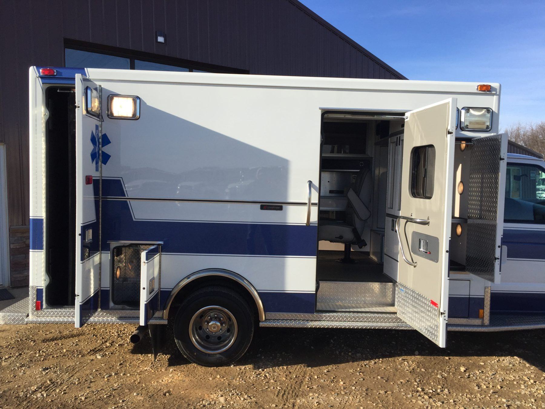 2000 Ford E450 Type 3 Ambulance For Sale – Picture 4