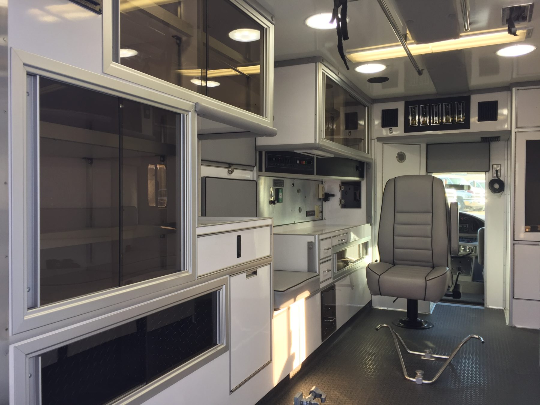 2000 Ford E450 Type 3 Ambulance For Sale – Picture 8