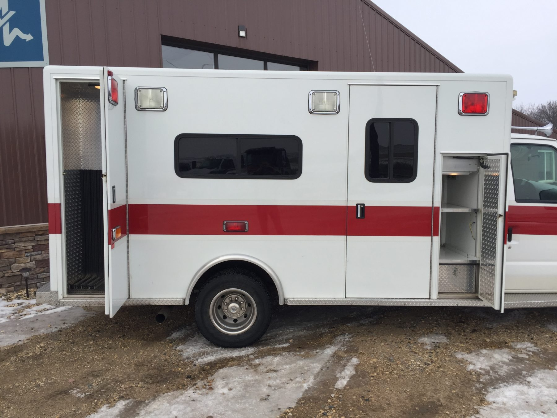 1999 Ford E450 Type 3 Ambulance For Sale – Picture 6