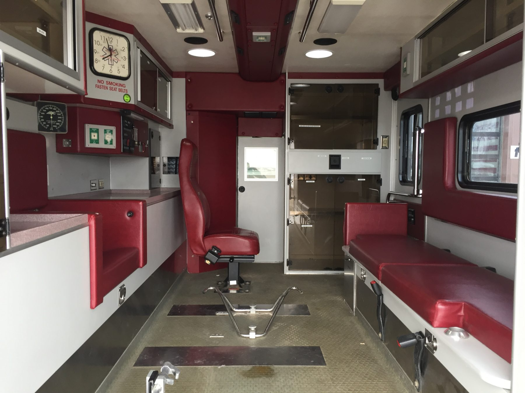 1999 Ford E450 Type 3 Ambulance For Sale – Picture 2