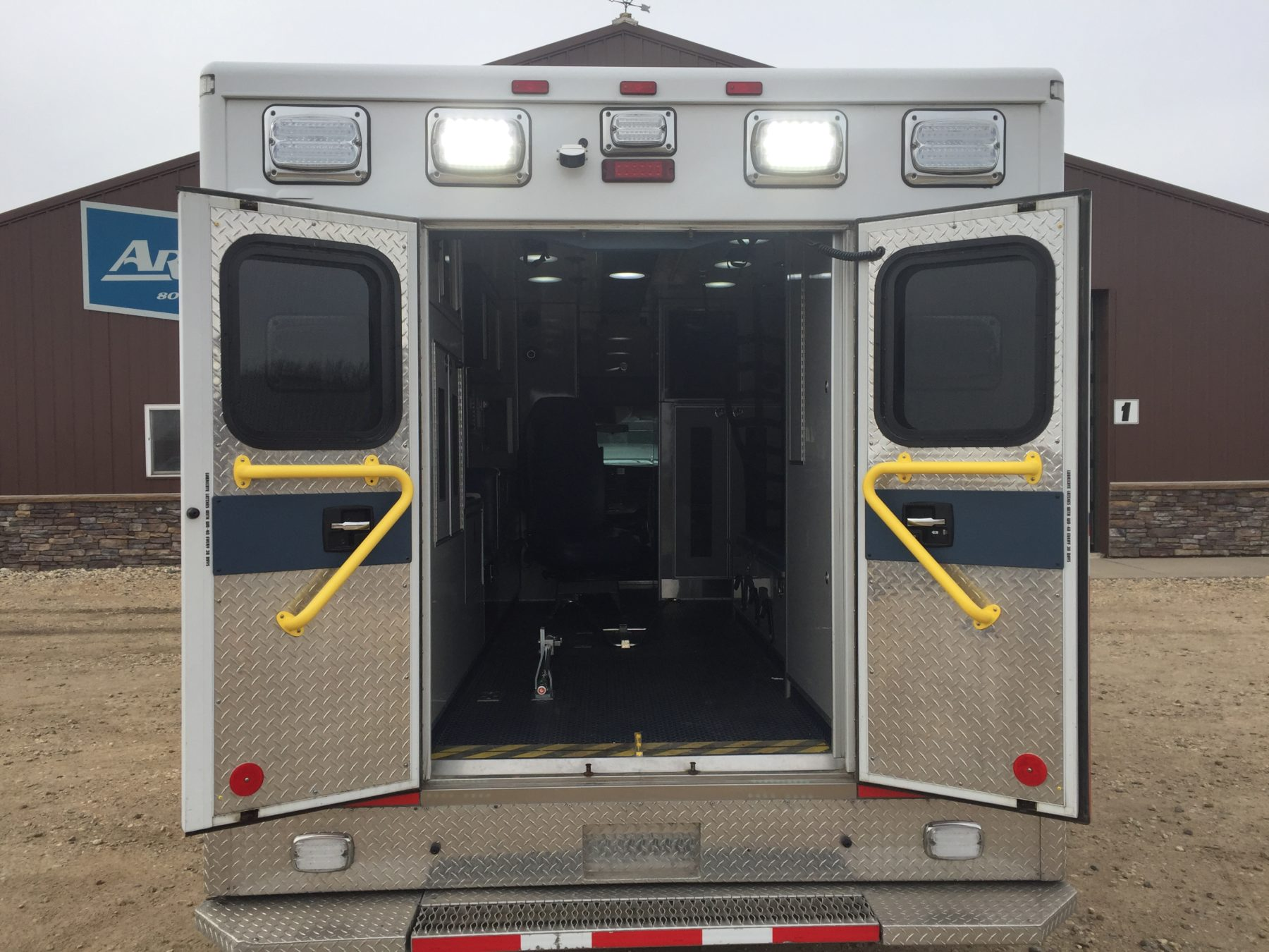 2012 Chevrolet G4500 Type 3 Ambulance For Sale – Picture 9