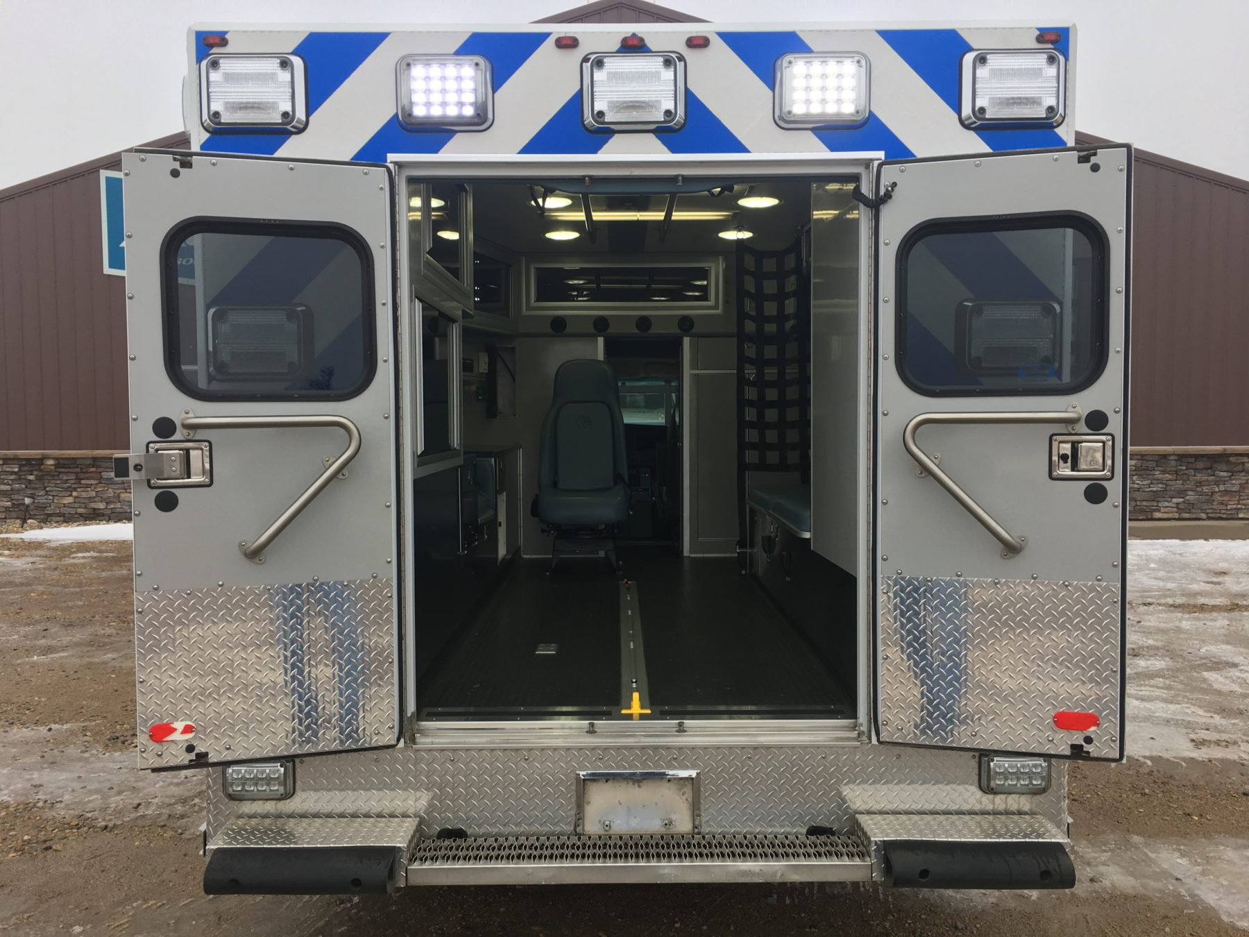 2014 Chevrolet G4500 Type 3 Ambulance For Sale – Picture 8