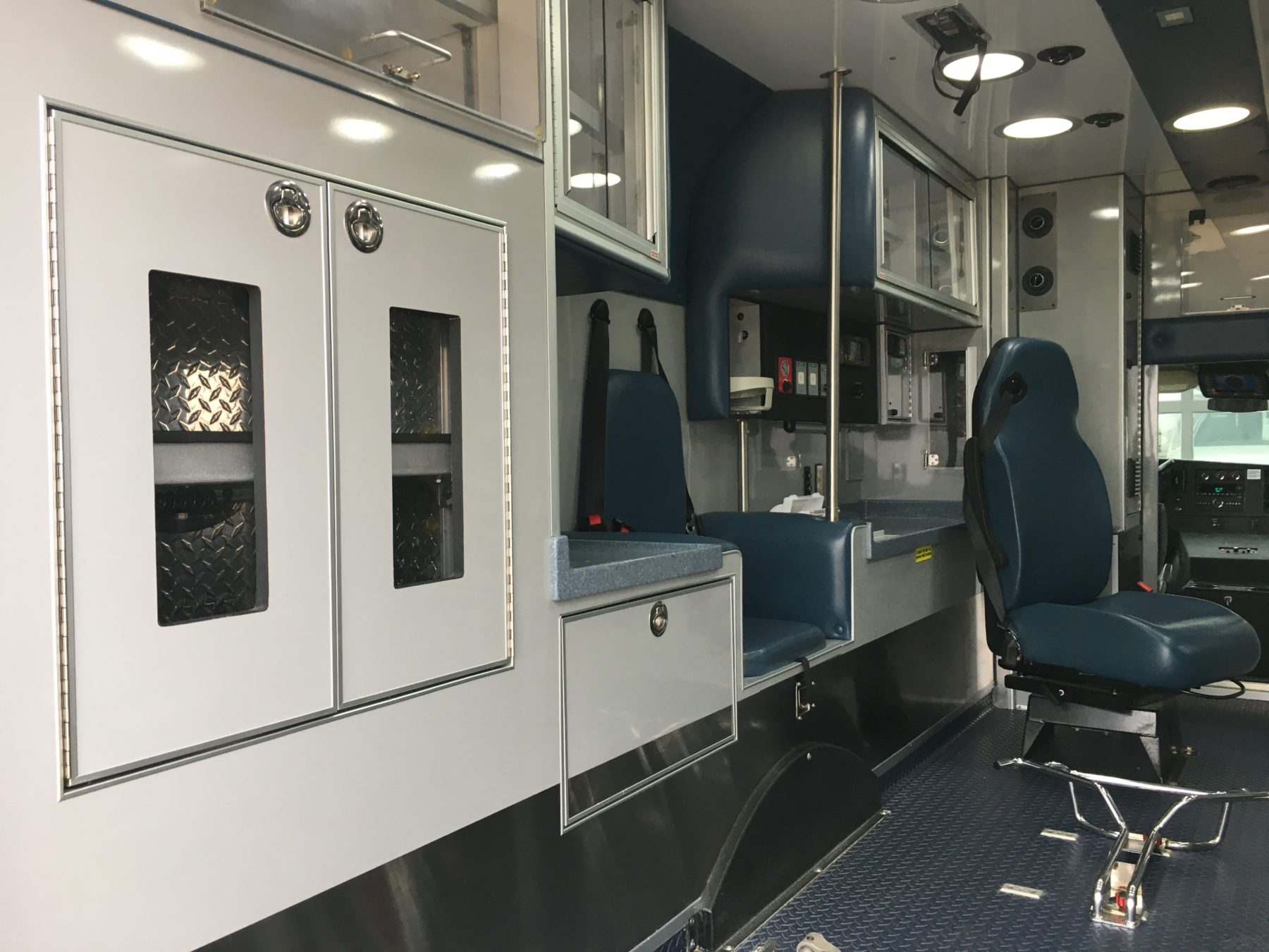 2012 Chevrolet G4500 Type 3 Ambulance For Sale – Picture 11