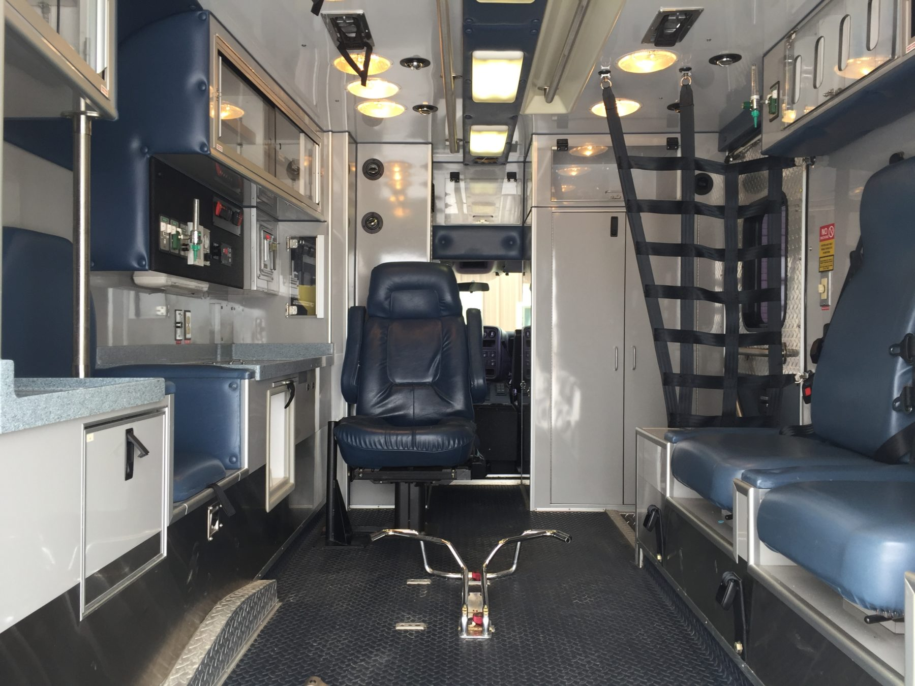 2006 Chevrolet C4500 Heavy Duty Ambulance For Sale – Picture 2
