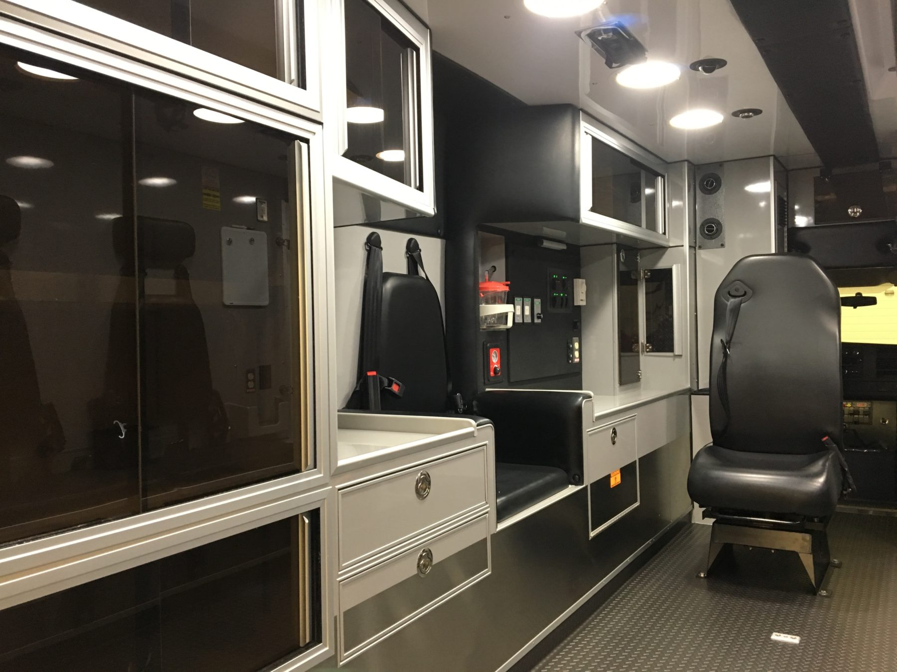 2016 Chevrolet G4500 Type 3 Ambulance For Sale – Picture 6