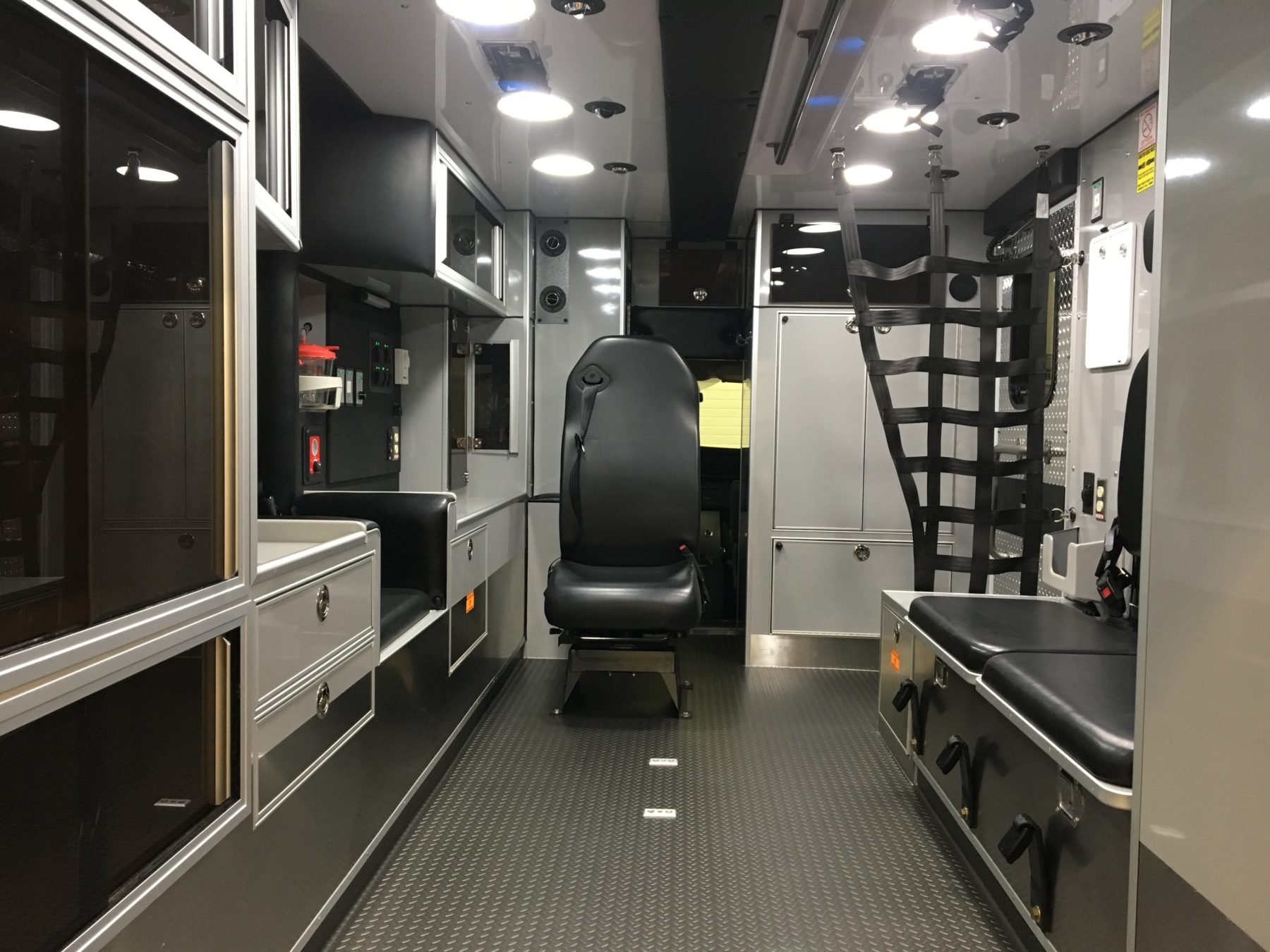 2016 Chevrolet G4500 Type 3 Ambulance For Sale – Picture 3