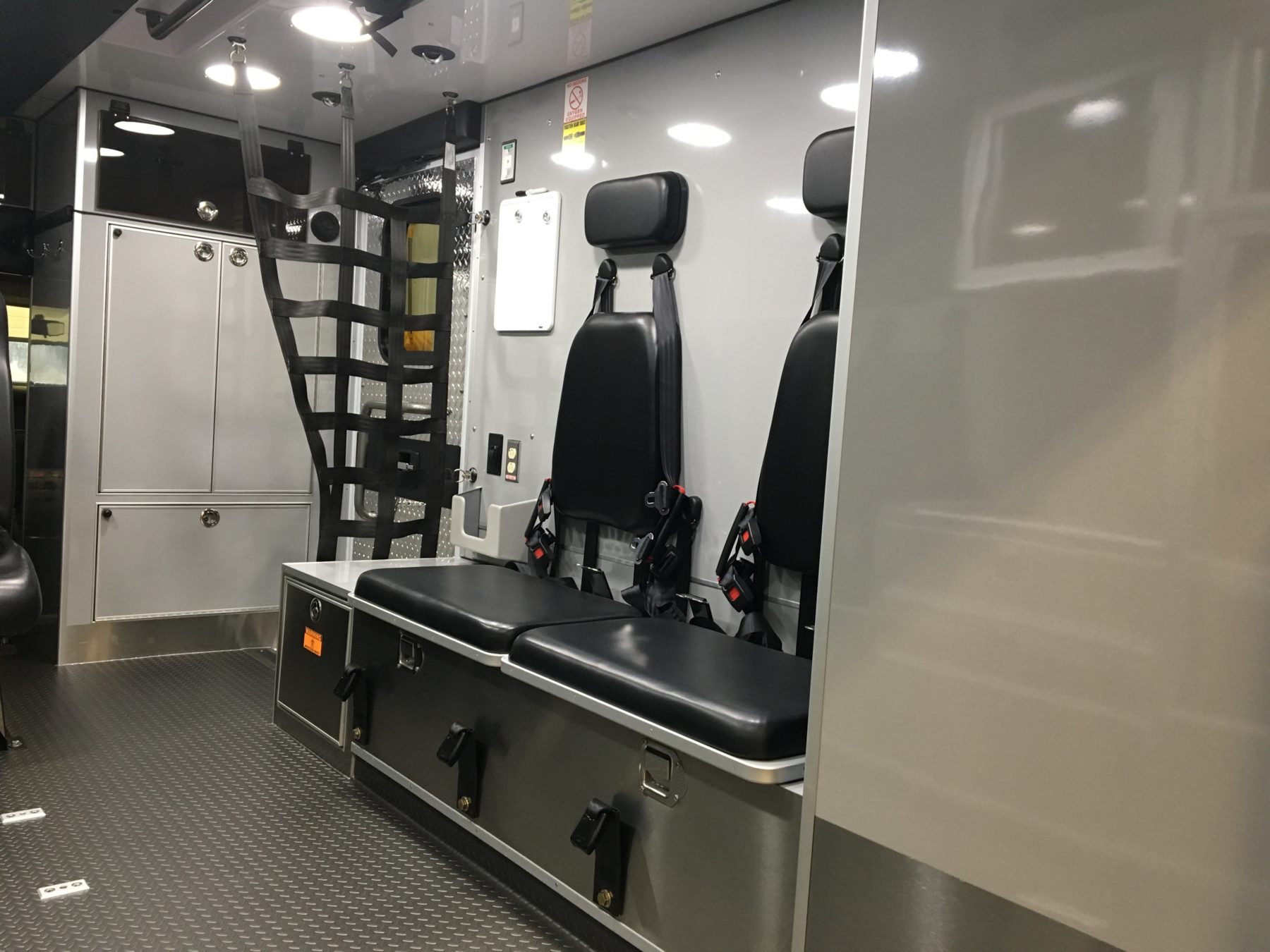 2016 Chevrolet G4500 Type 3 Ambulance For Sale – Picture 5