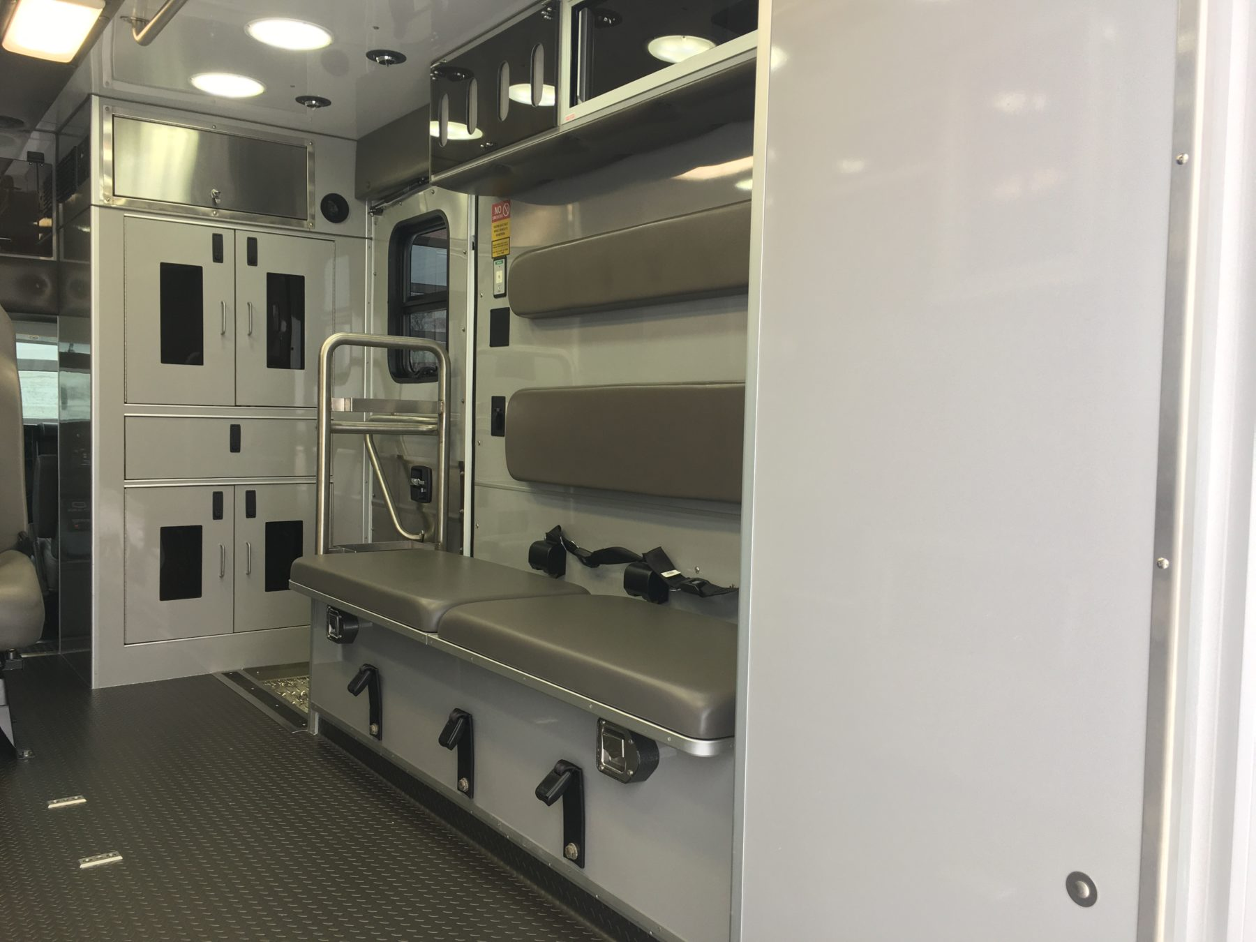 2020 Chevrolet G4500 Type 3 Ambulance For Sale – Picture 13