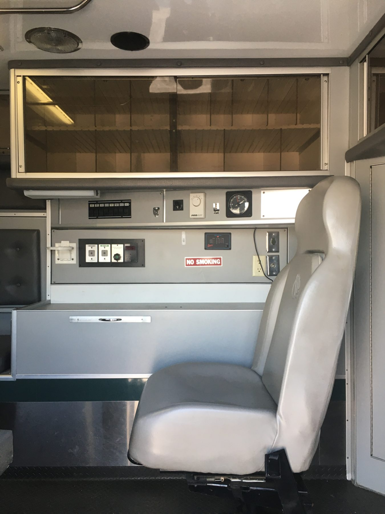 2008 International 4400 Heavy Duty Ambulance For Sale – Picture 4
