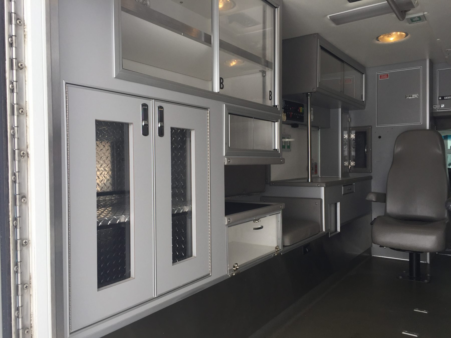 2006 Ford E450 Type 3 Ambulance For Sale – Picture 12