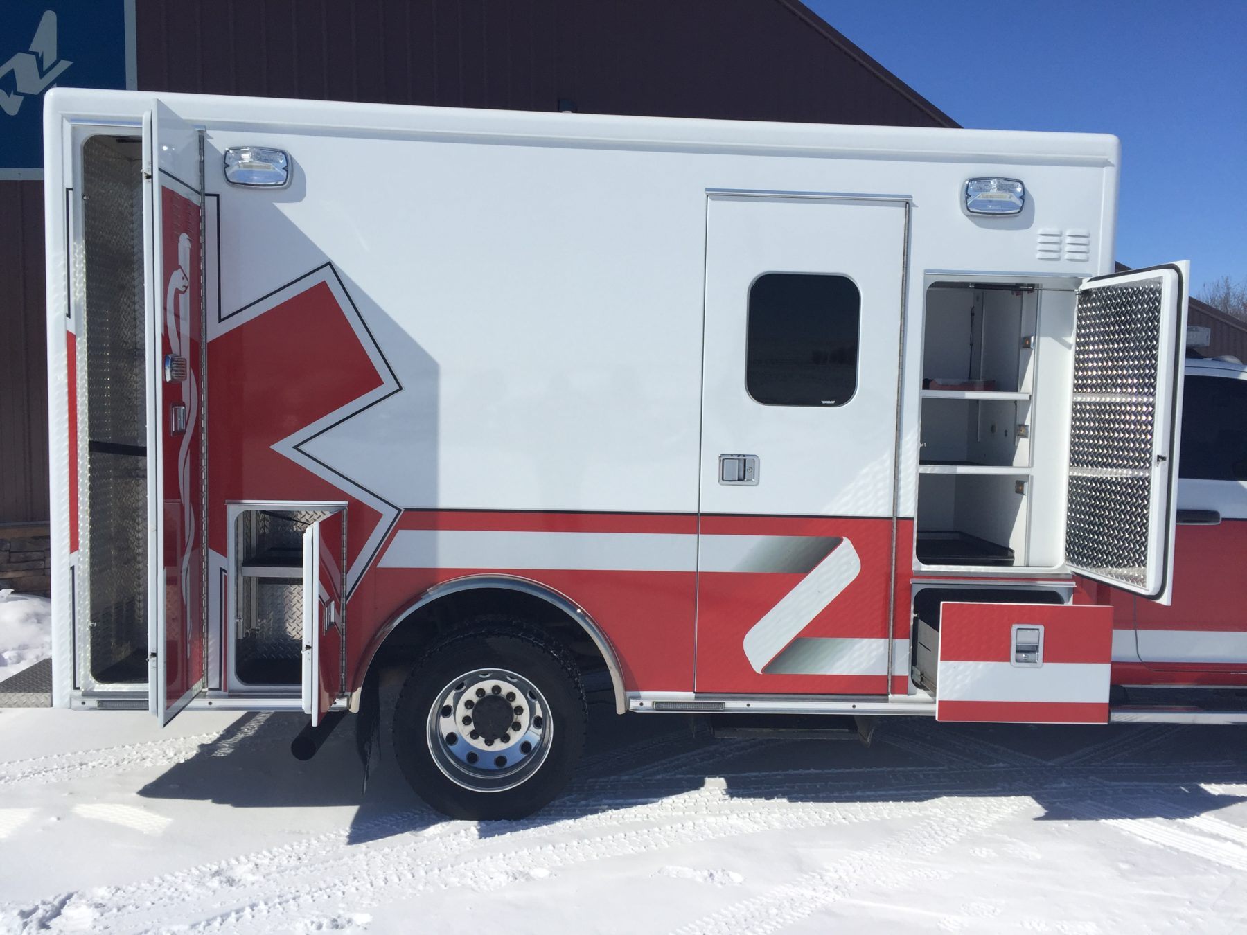 2015 Dodge 4500 4x4 Heavy Duty Ambulance For Sale – Picture 5