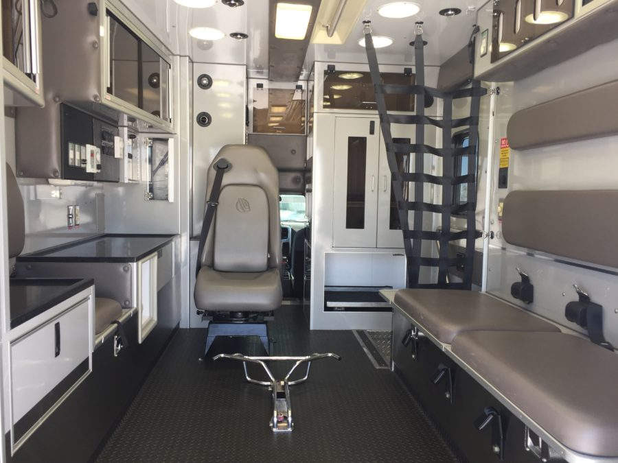 2015 Dodge 4500 4x4 Heavy Duty Ambulance For Sale – Picture 2
