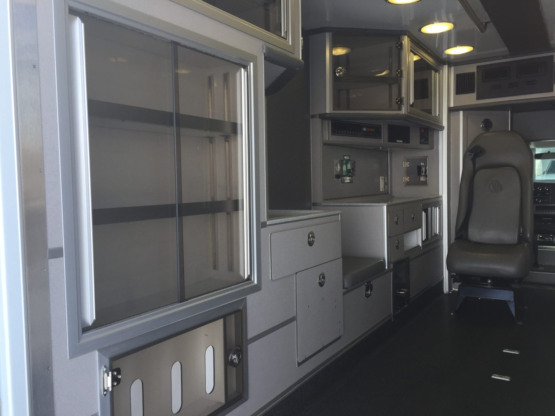 2010 Chevrolet G4500 Type 3 Ambulance For Sale – Picture 12
