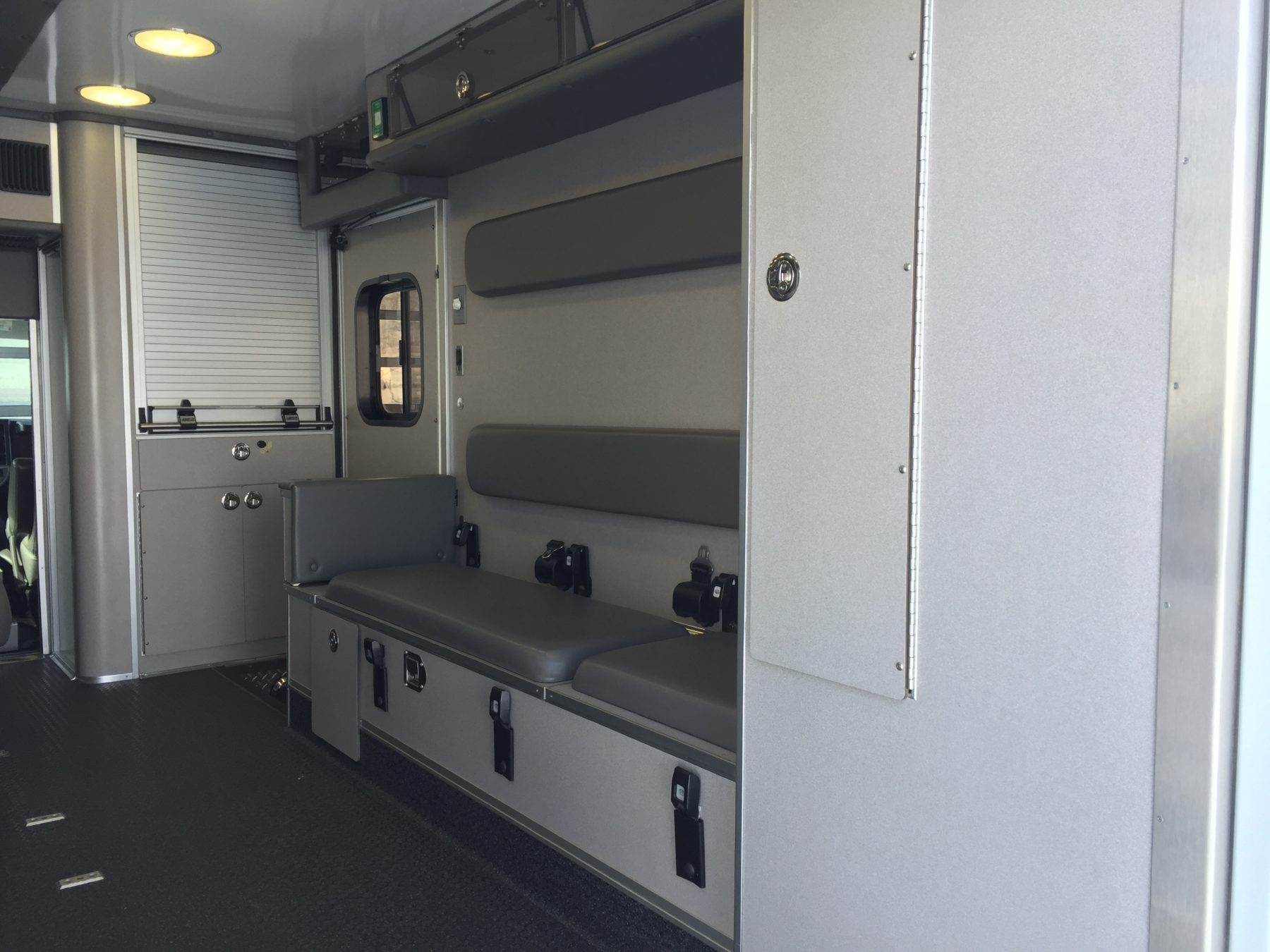 2010 Chevrolet G4500 Type 3 Ambulance For Sale – Picture 13