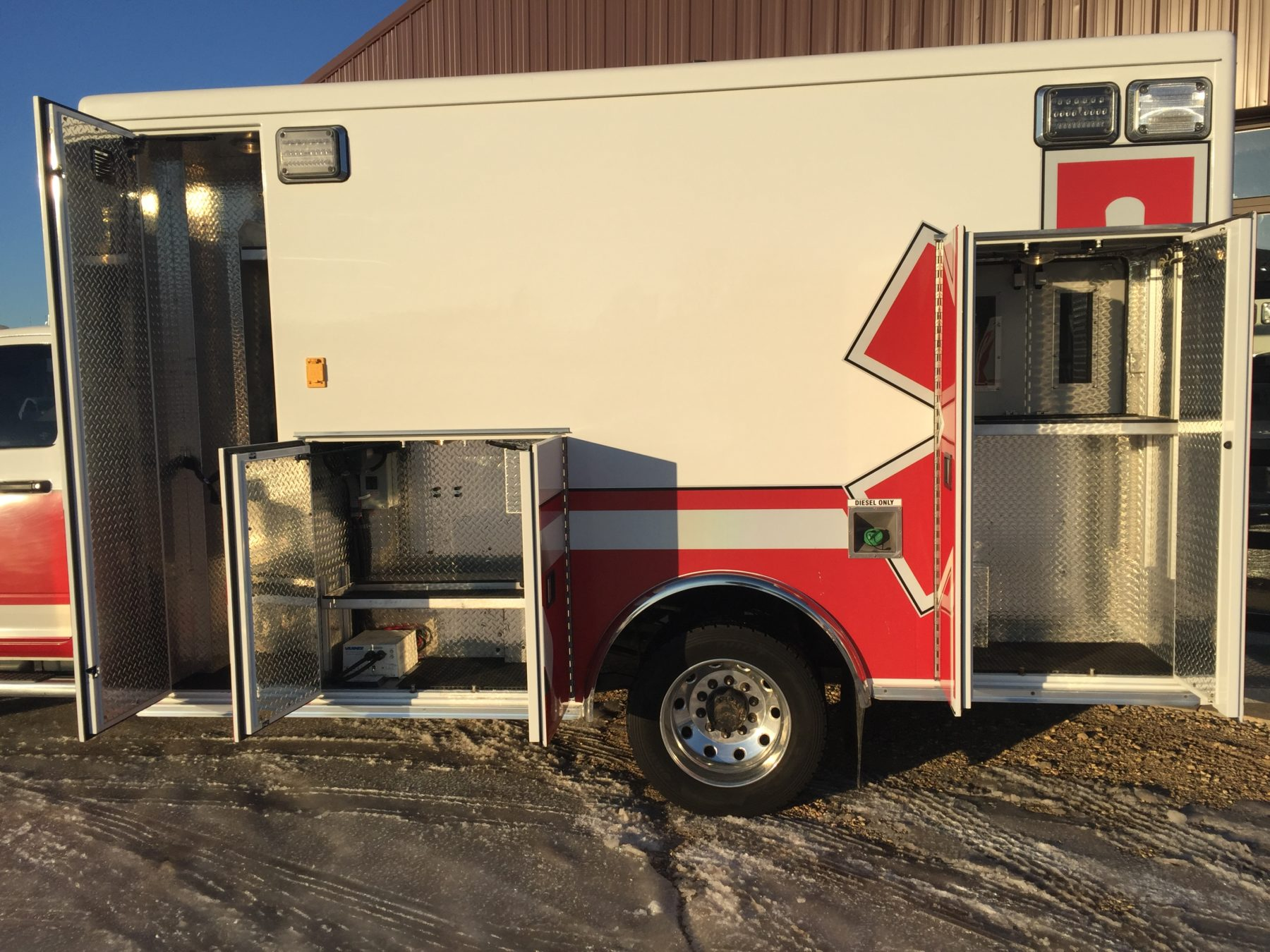 2015 Dodge 4500 4x4 Heavy Duty Ambulance For Sale – Picture 6