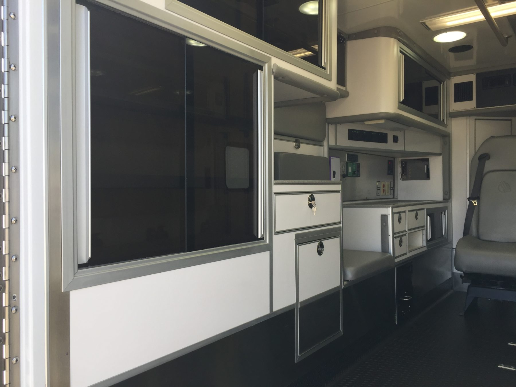 2017 Chevrolet K3500 4x4 Type 1 Ambulance For Sale – Picture 10