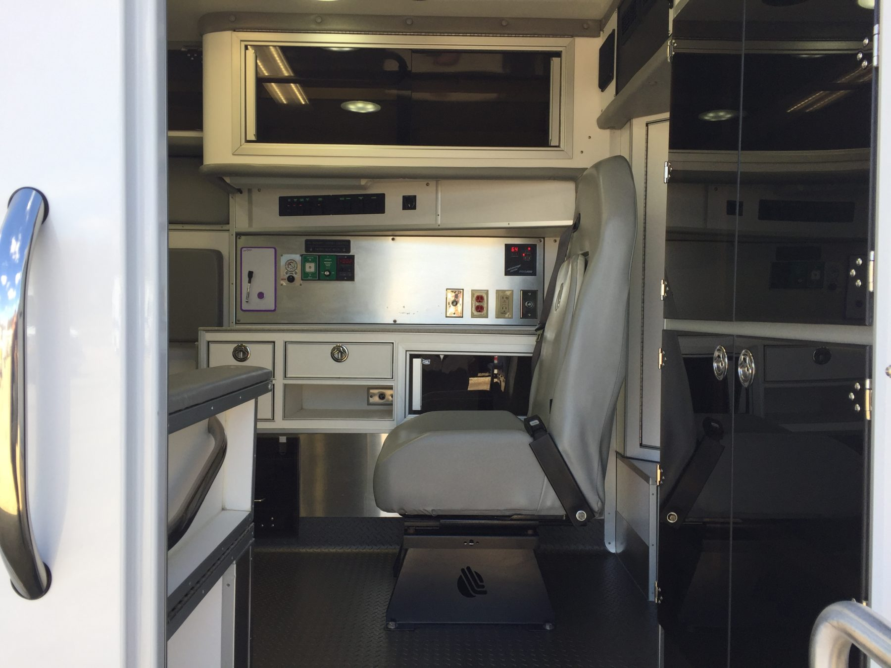 2017 Chevrolet K3500 4x4 Type 1 Ambulance For Sale – Picture 12