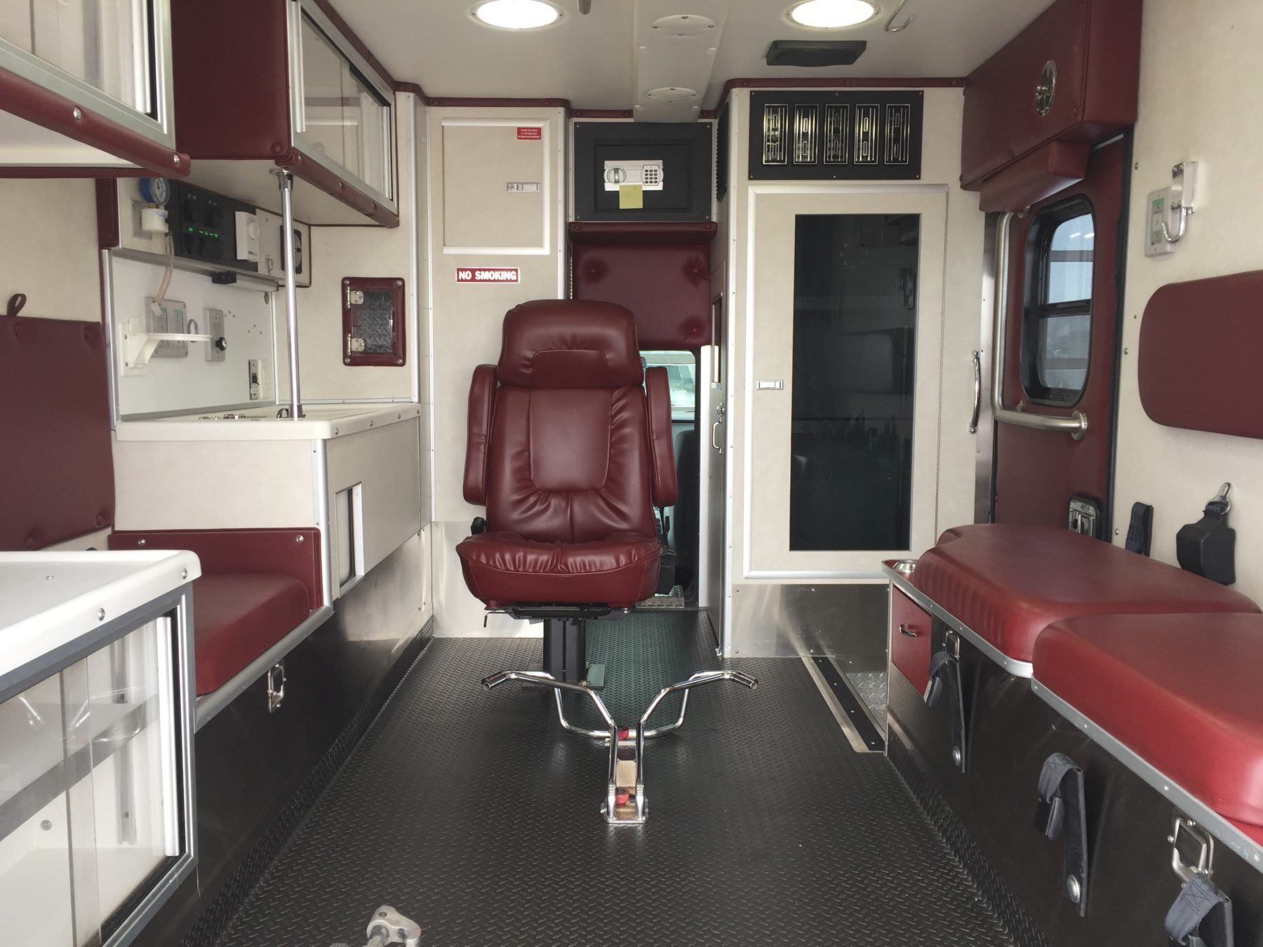 2013 Ford F350 4x4 Type 1 Ambulance For Sale – Picture 2