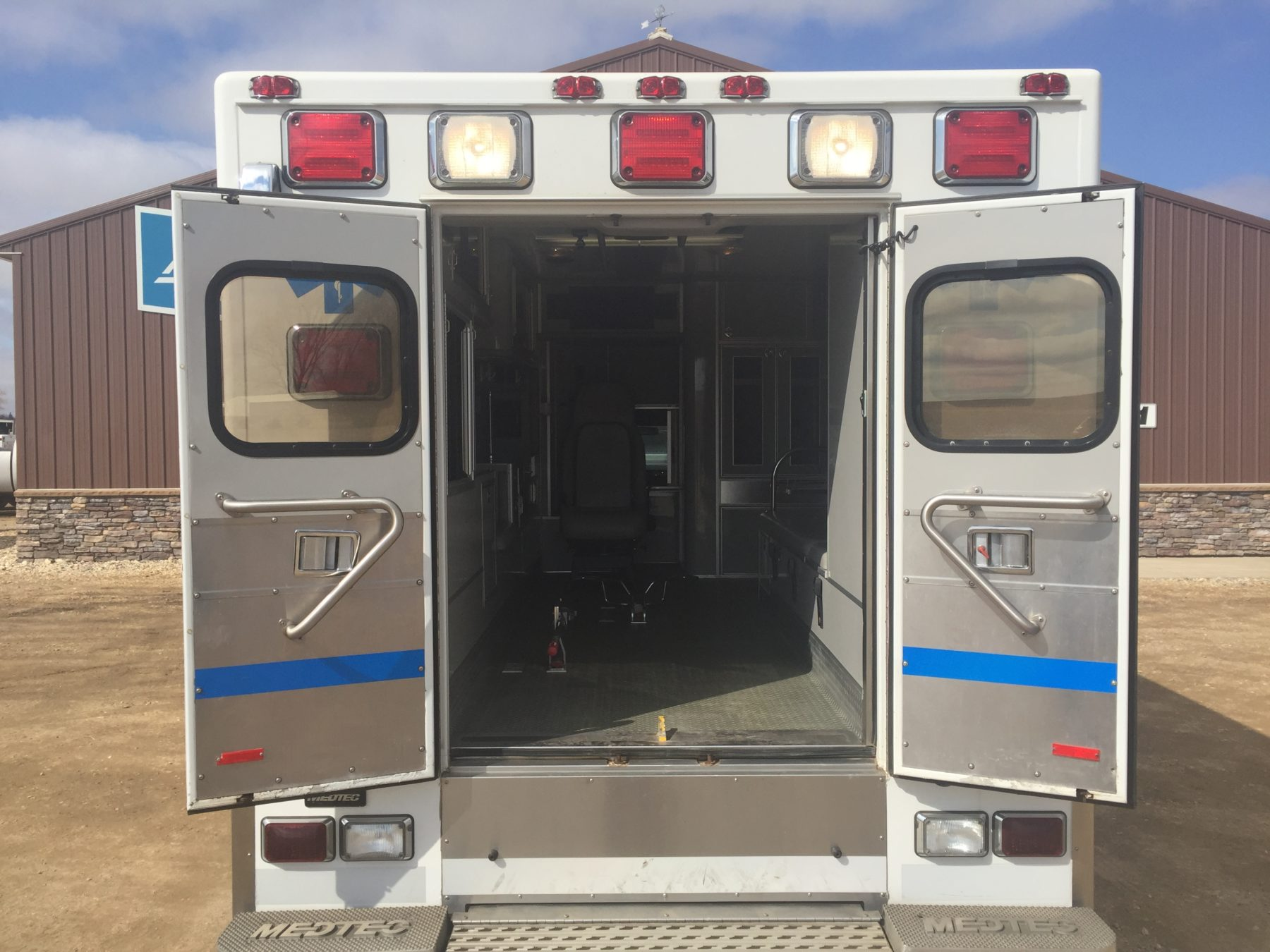 2008 Ford F450 Heavy Duty Ambulance For Sale – Picture 9