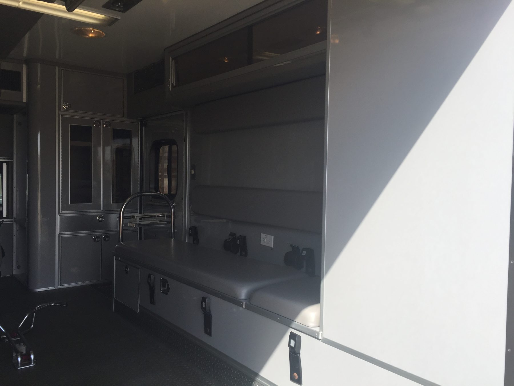 2008 Ford F450 Heavy Duty Ambulance For Sale – Picture 13