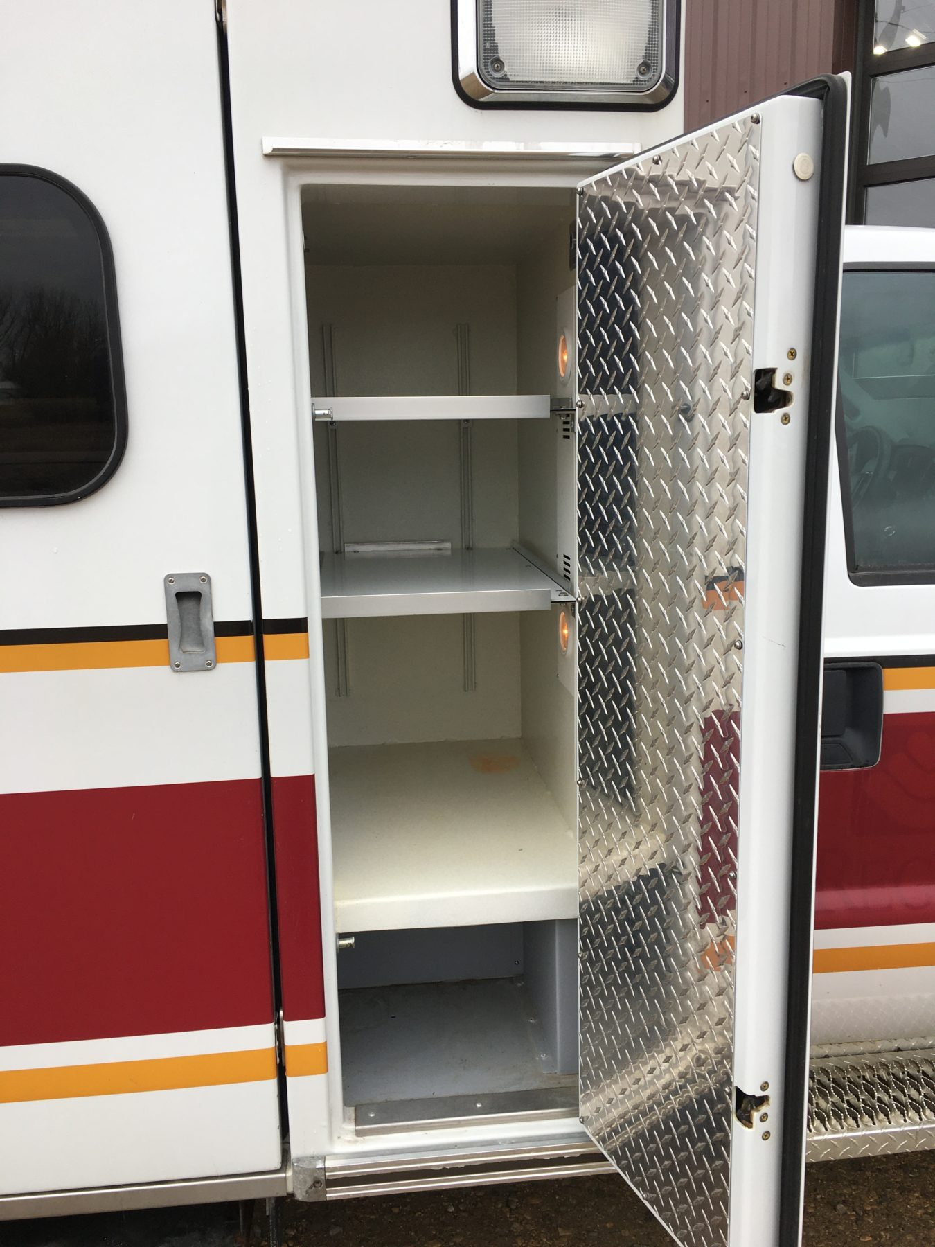 2012 Ford F350 4x4 Type 1 Ambulance For Sale – Picture 7