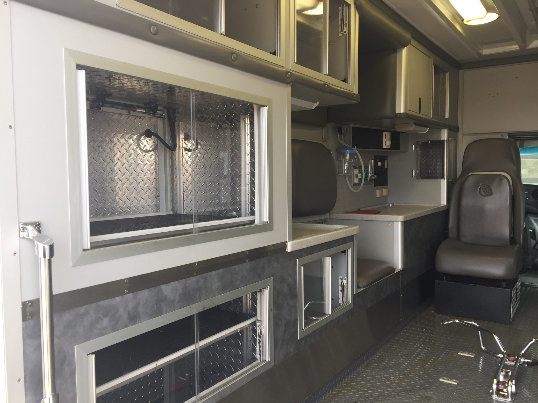 2003 Ford E450 Type 3 Ambulance For Sale – Picture 12