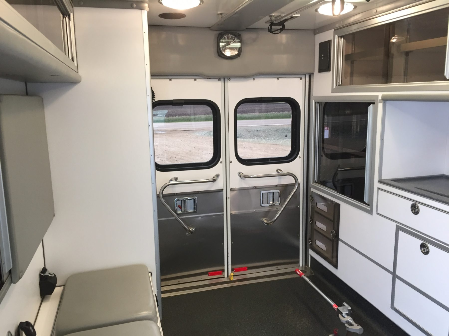 2005 Ford E450 Type 3 Ambulance For Sale – Picture 14