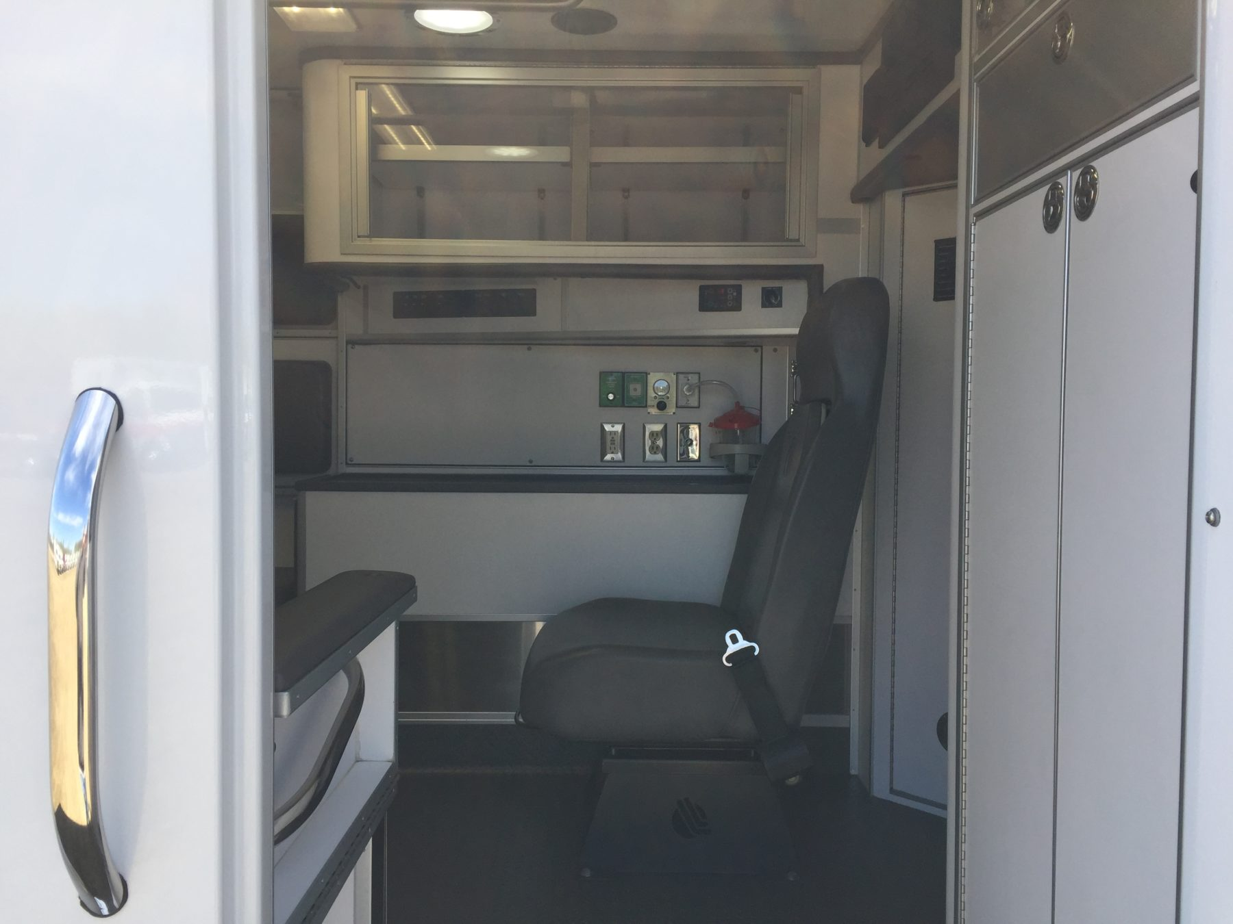 2017 Ford E450 Type 3 Ambulance For Sale – Picture 12