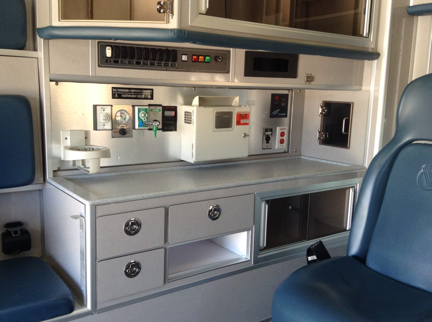 2011 Ford F450 4x4 Heavy Duty Ambulance For Sale – Picture 8