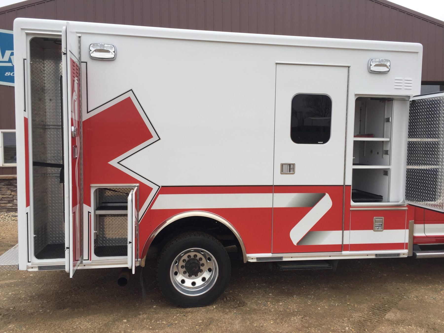 2015 Dodge 4500 4x4 Heavy Duty Ambulance For Sale – Picture 7