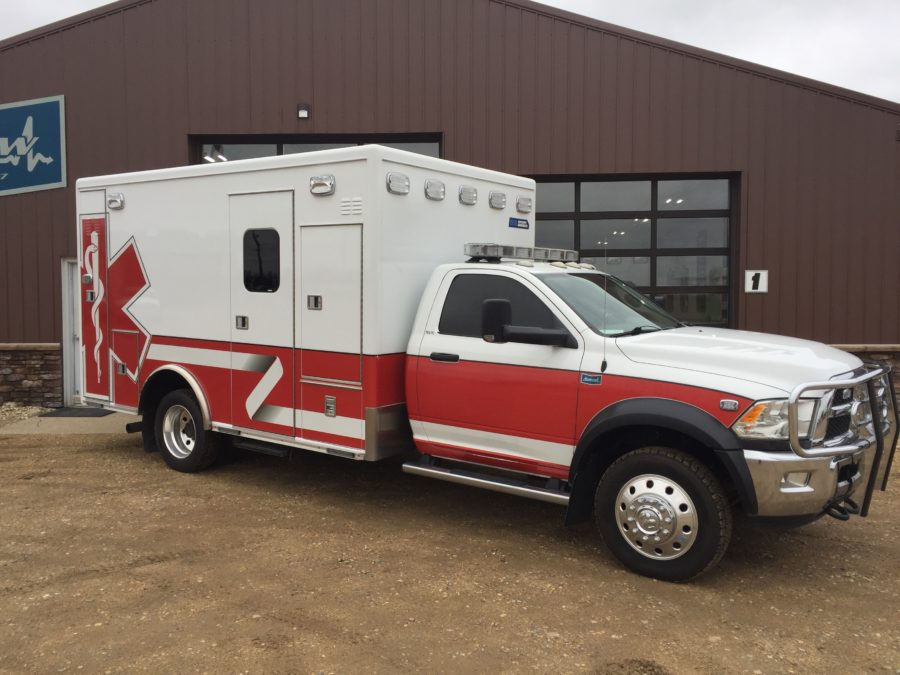 2015 Dodge 4500 4x4 Heavy Duty Ambulance For Sale – Picture 3