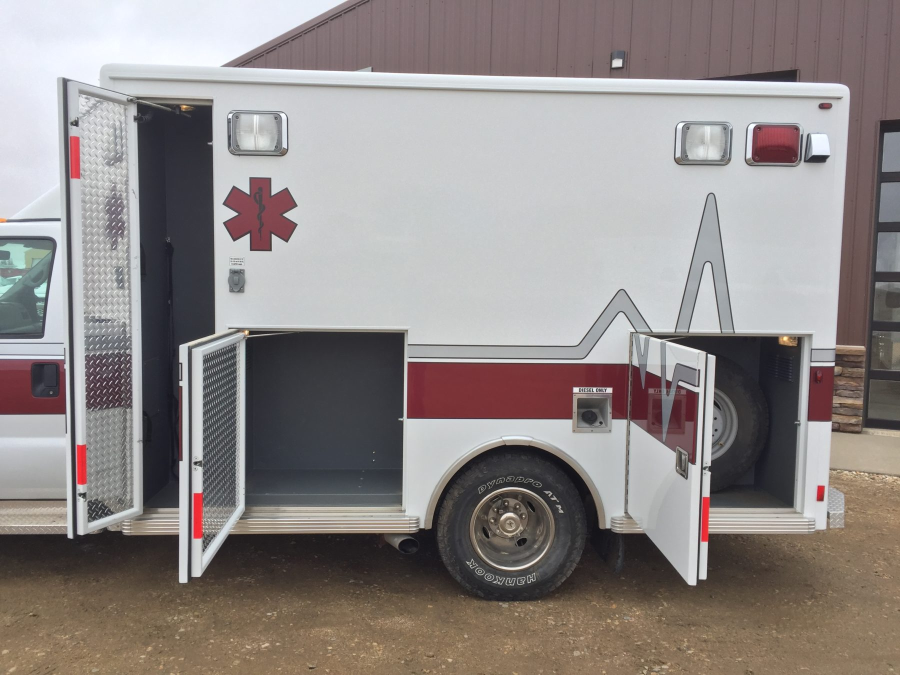 2002 Ford F350 4x4 Type 1 Ambulance For Sale – Picture 5
