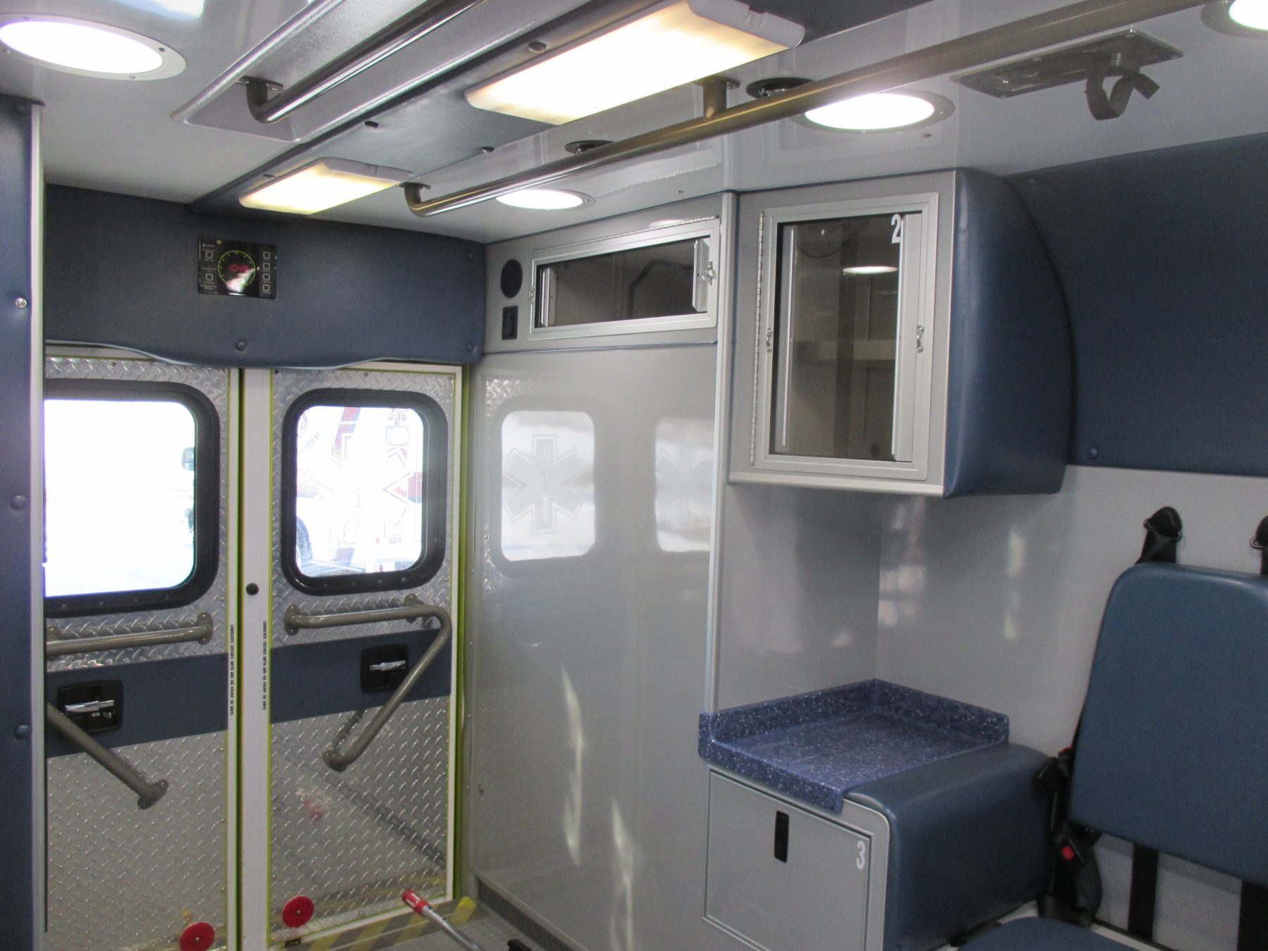 2010 Chevrolet G4500 Type 3 Ambulance For Sale – Picture 10
