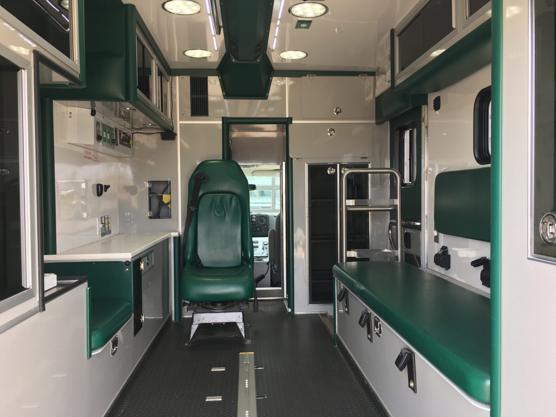 2011 Ford E450 Type 3 Ambulance For Sale – Picture 2