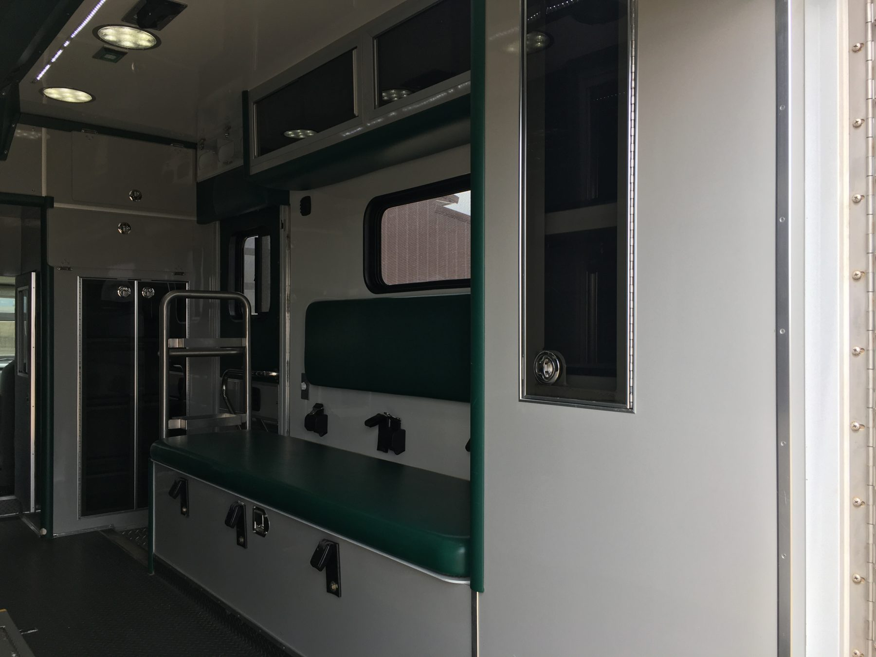 2011 Ford E450 Type 3 Ambulance For Sale – Picture 11