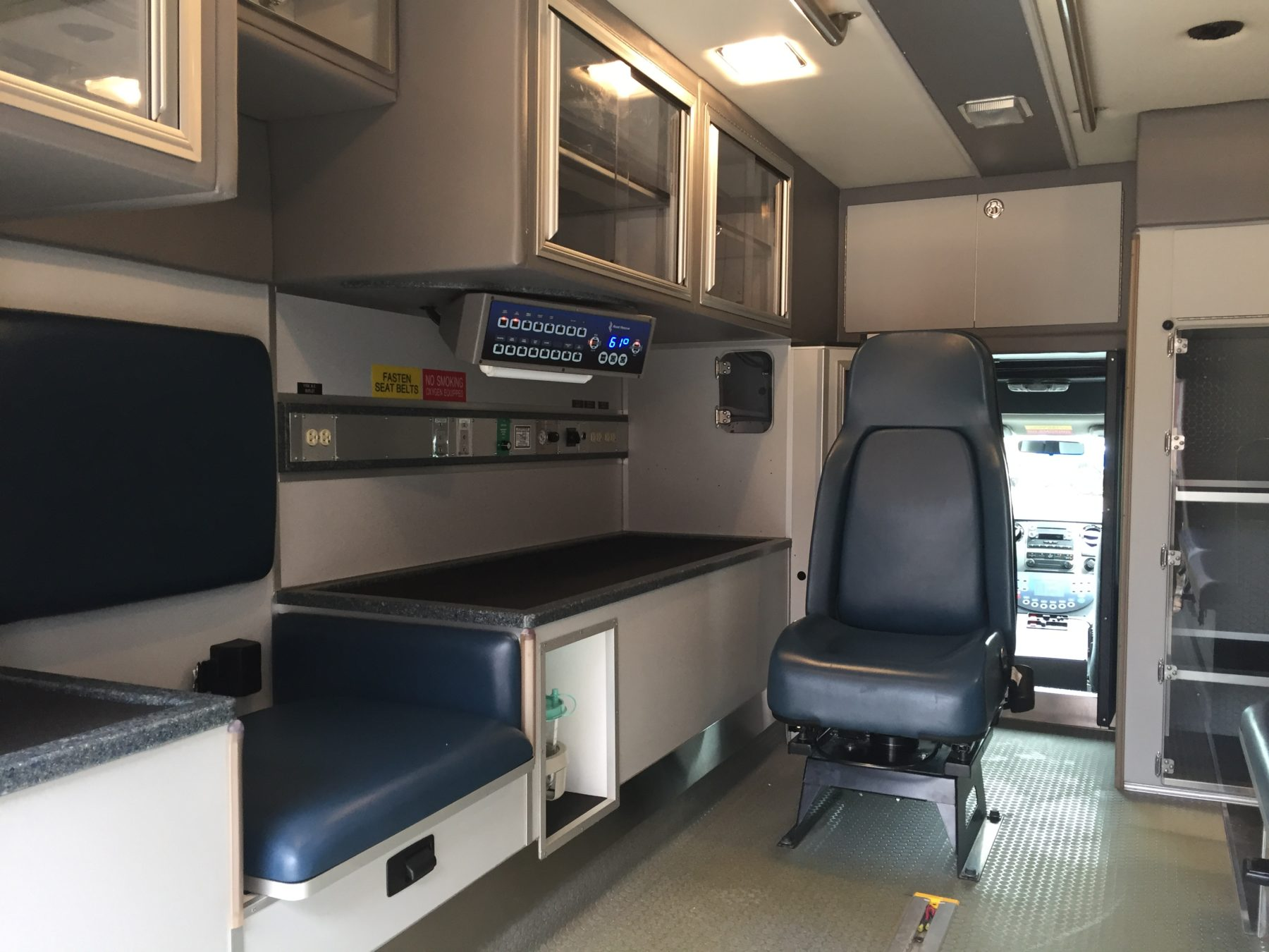 2012 Ford F450 Heavy Duty Ambulance For Sale – Picture 2