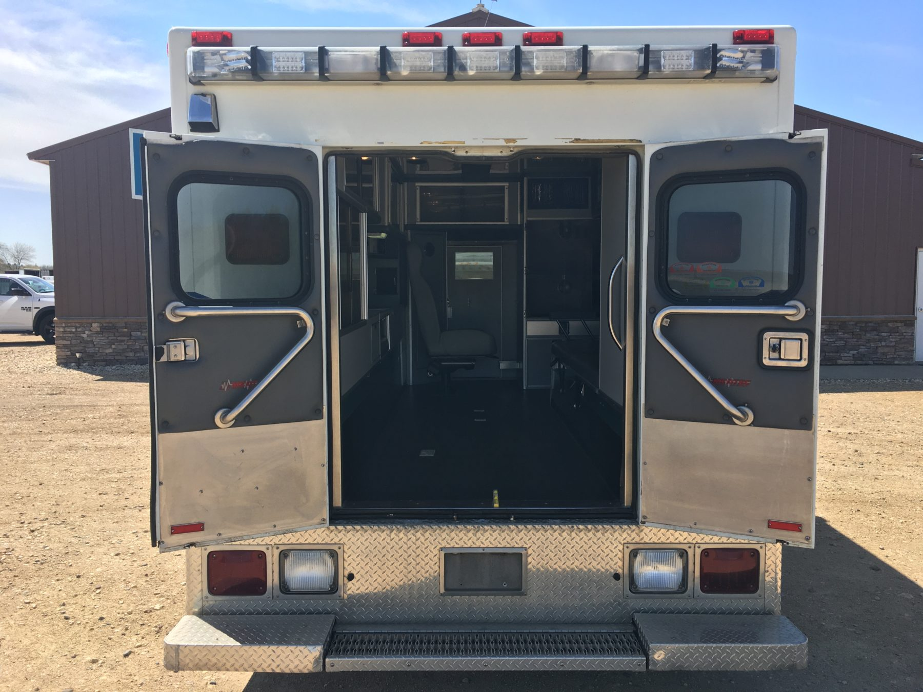 2008 International 4400 Heavy Duty Ambulance For Sale – Picture 9