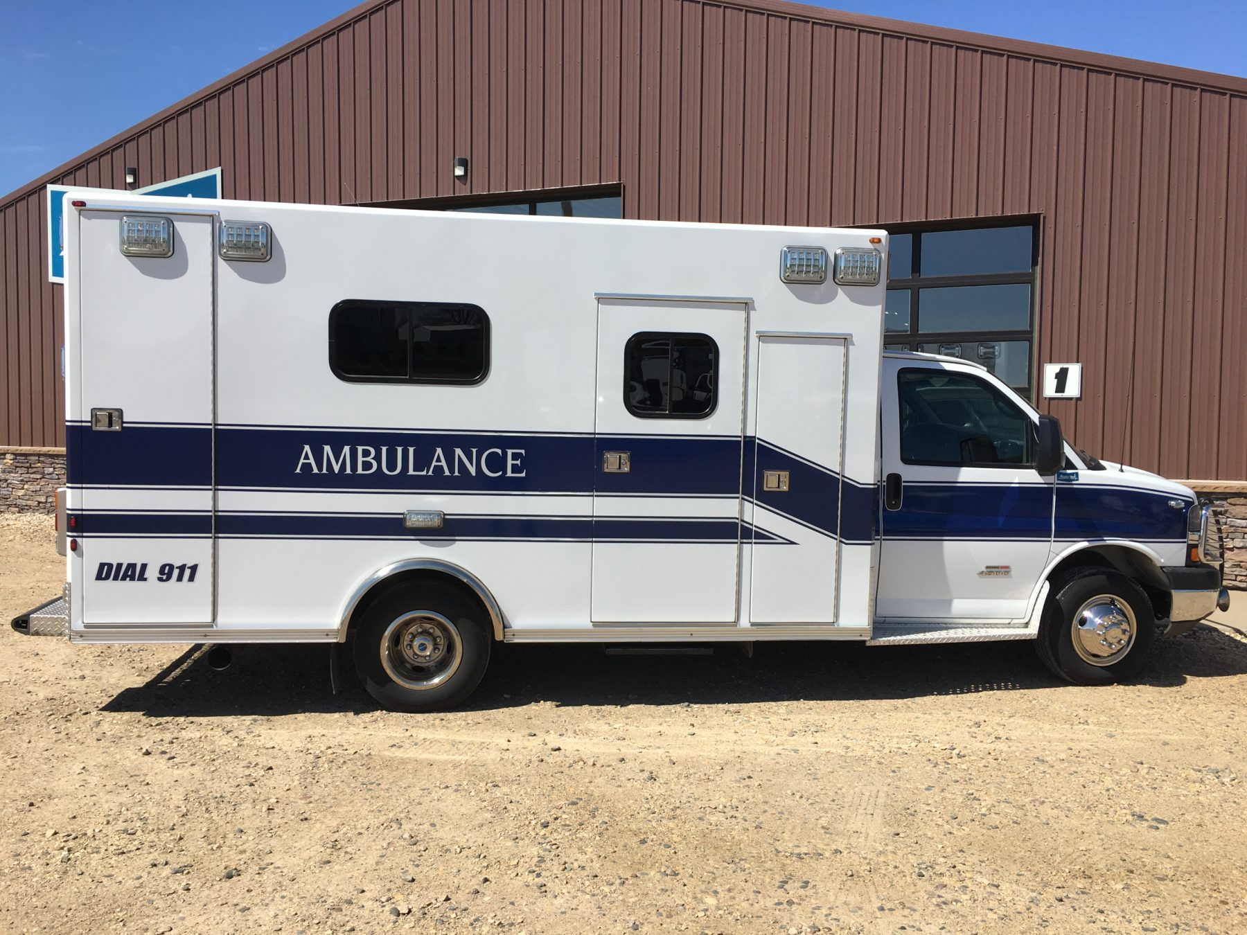 2014 Chevrolet G4500 Type 3 Ambulance For Sale – Picture 3