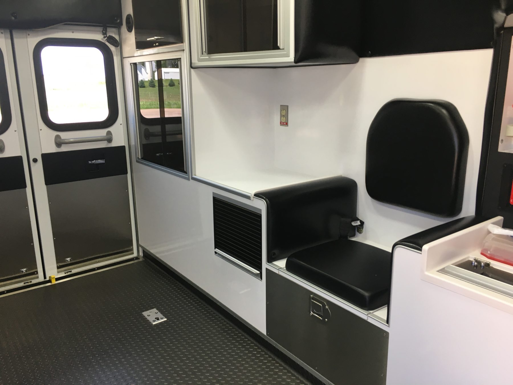 2021 Ford F450 4x4 Heavy Duty Ambulance For Sale – Picture 12