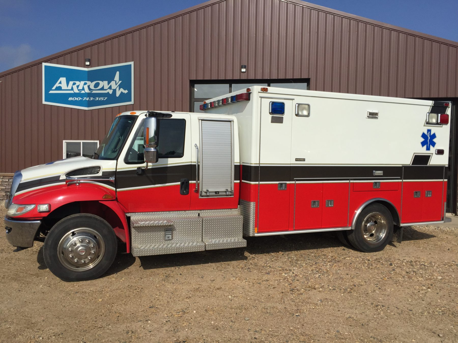2009 International 4300 Heavy Duty Ambulance For Sale – Picture 1