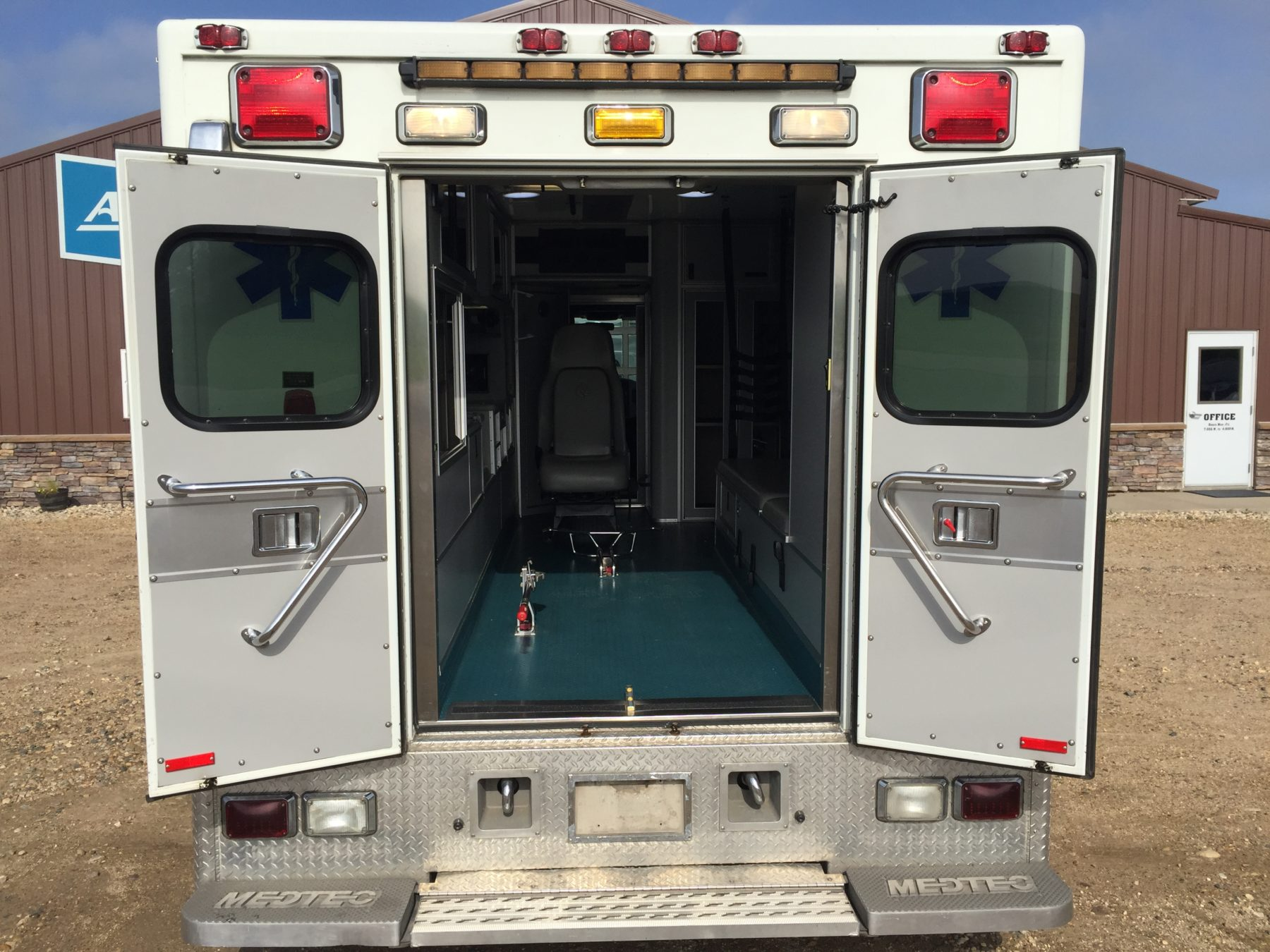 2009 International 4300 Heavy Duty Ambulance For Sale – Picture 9