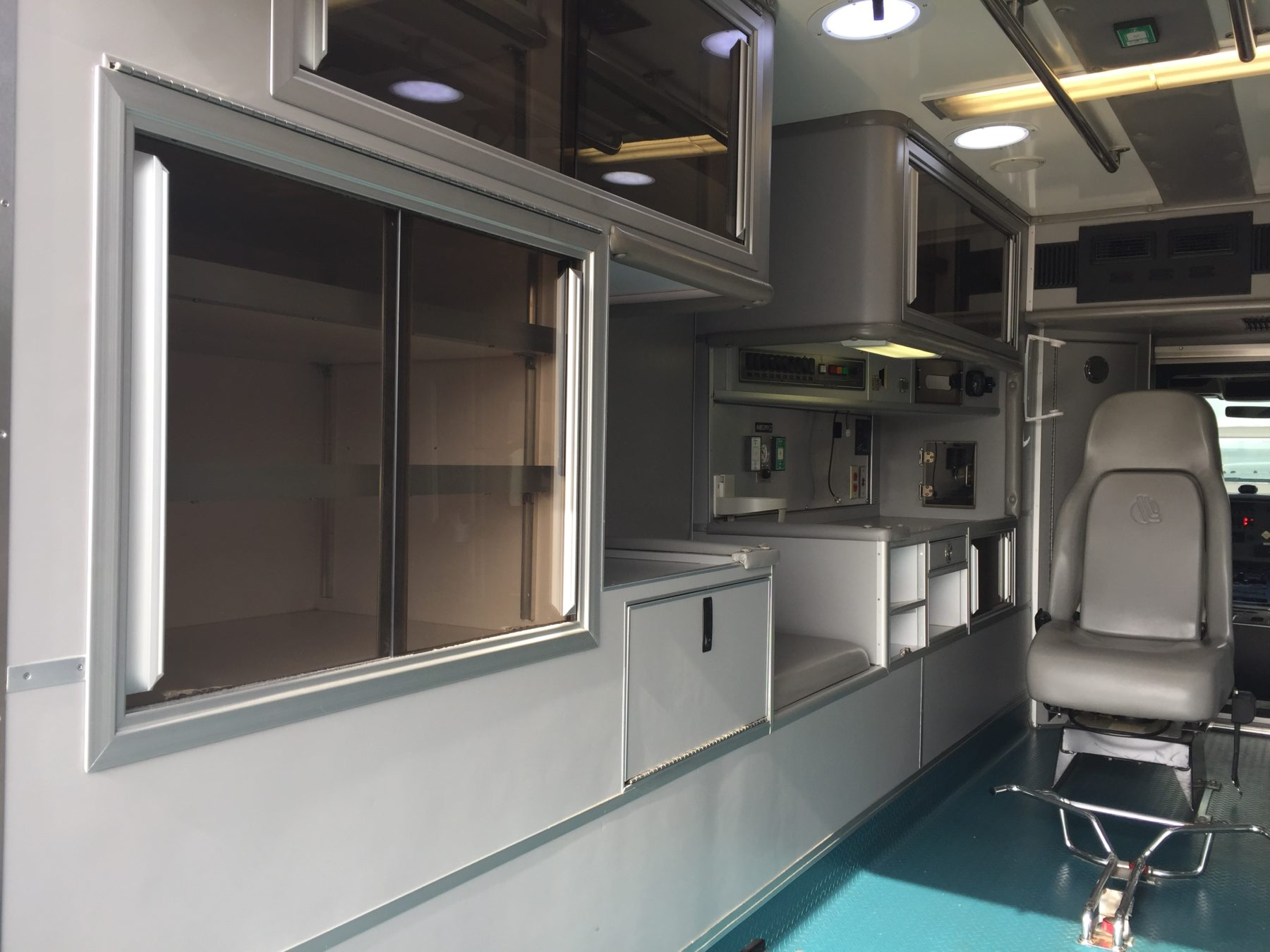 2009 International 4300 Heavy Duty Ambulance For Sale – Picture 12