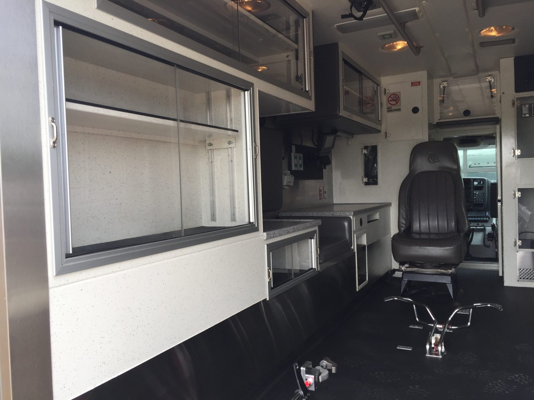 2006 Chevrolet C4500 Heavy Duty Ambulance For Sale – Picture 11