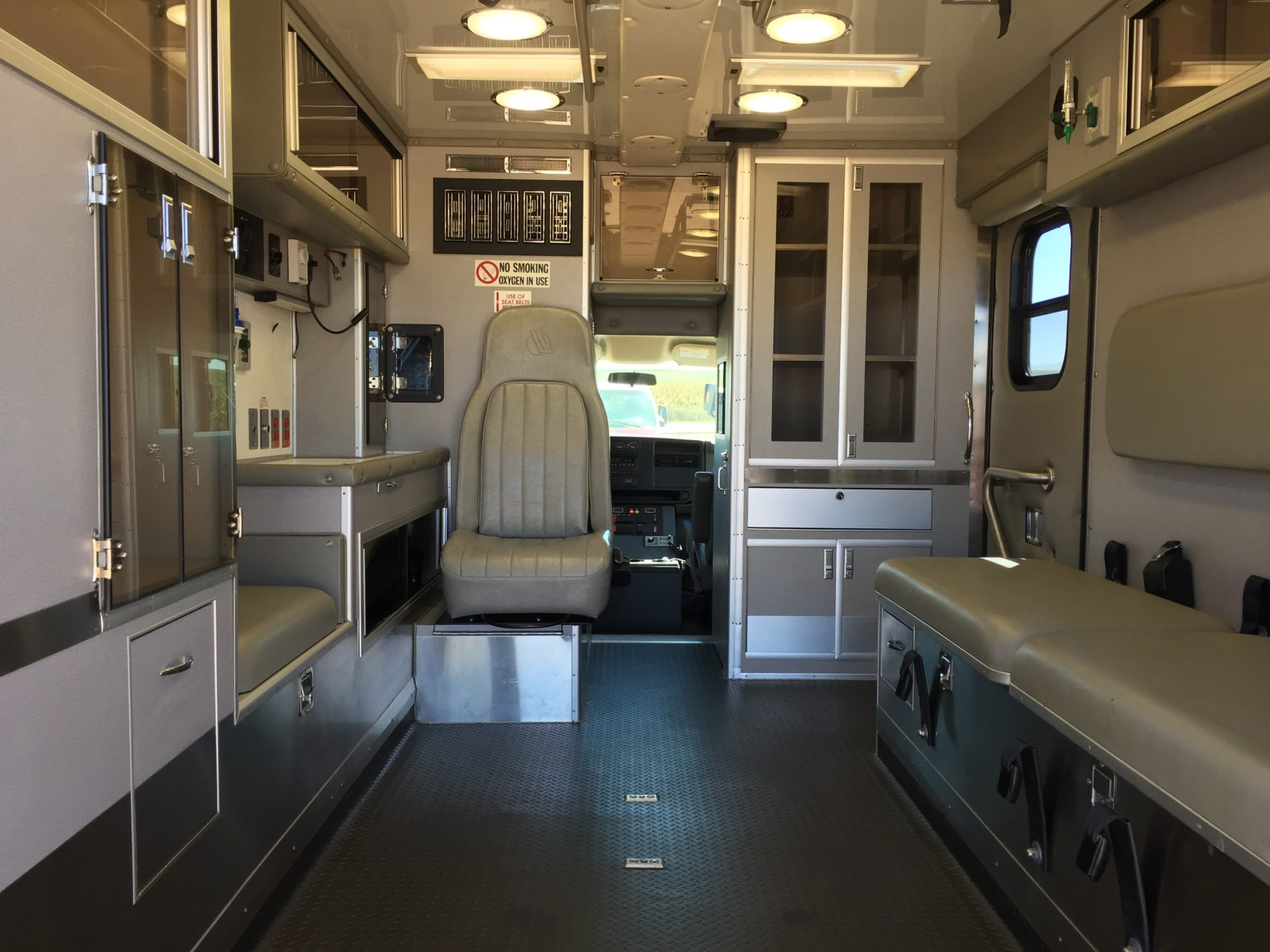 2007 Chevrolet G3500 Type 3 Ambulance For Sale – Picture 2