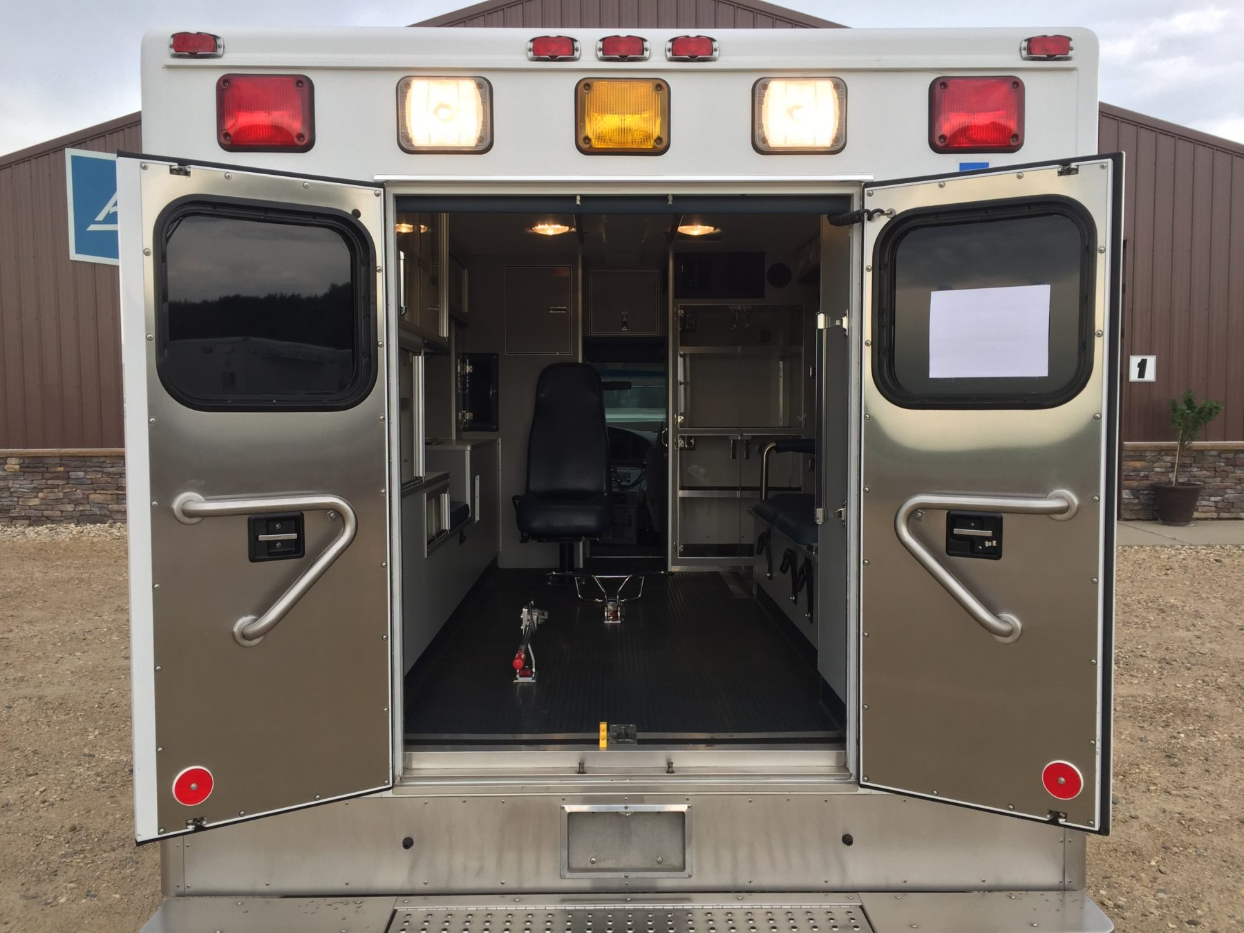 2006 Ford E450 Type 3 Ambulance For Sale – Picture 9
