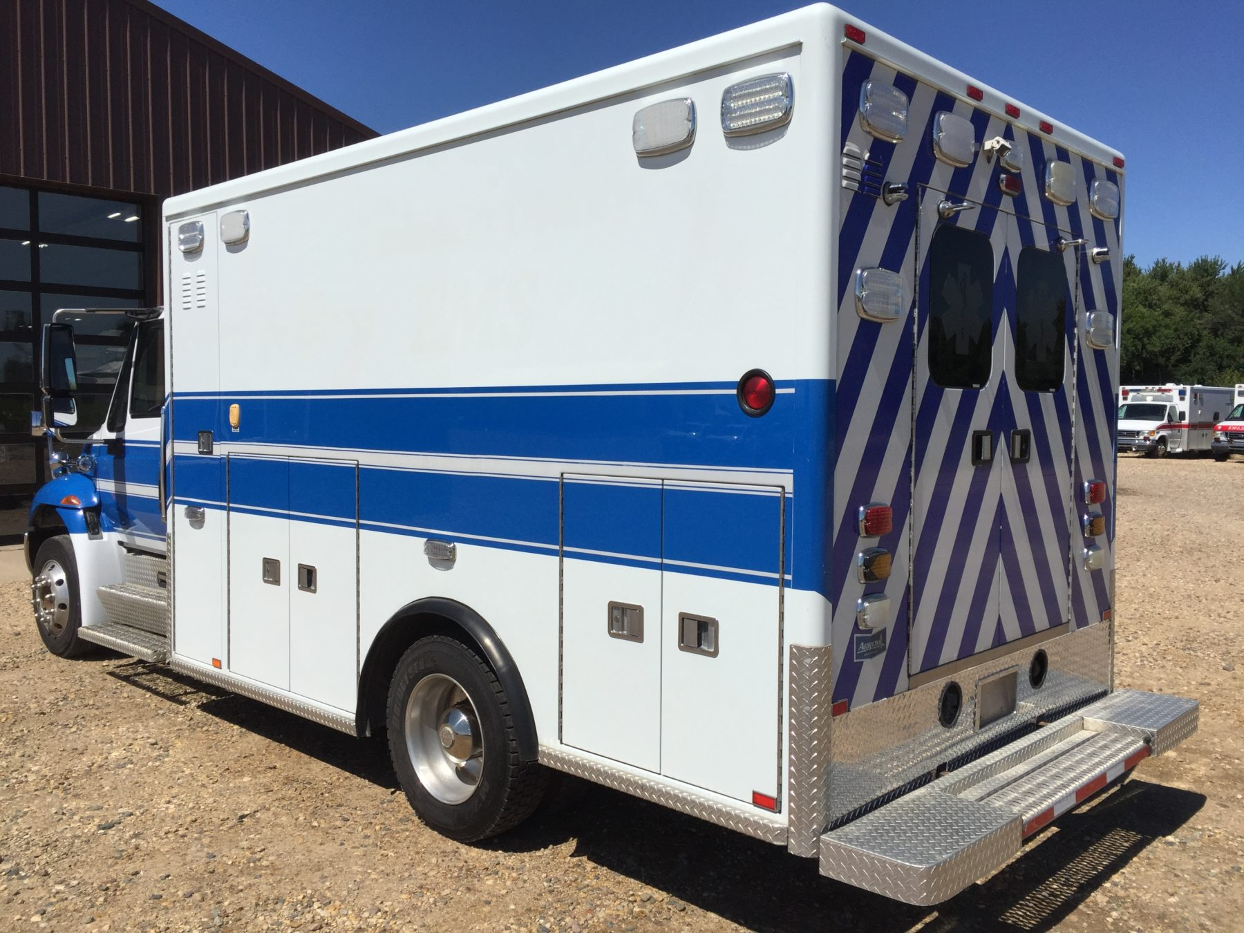 2011 International 4300 Heavy Duty Ambulance For Sale – Picture 8