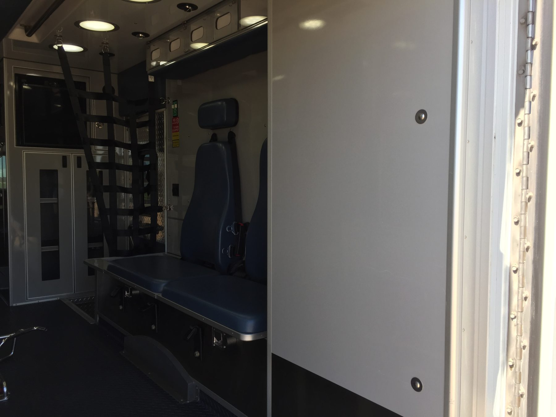 2011 International 4300 Heavy Duty Ambulance For Sale – Picture 12